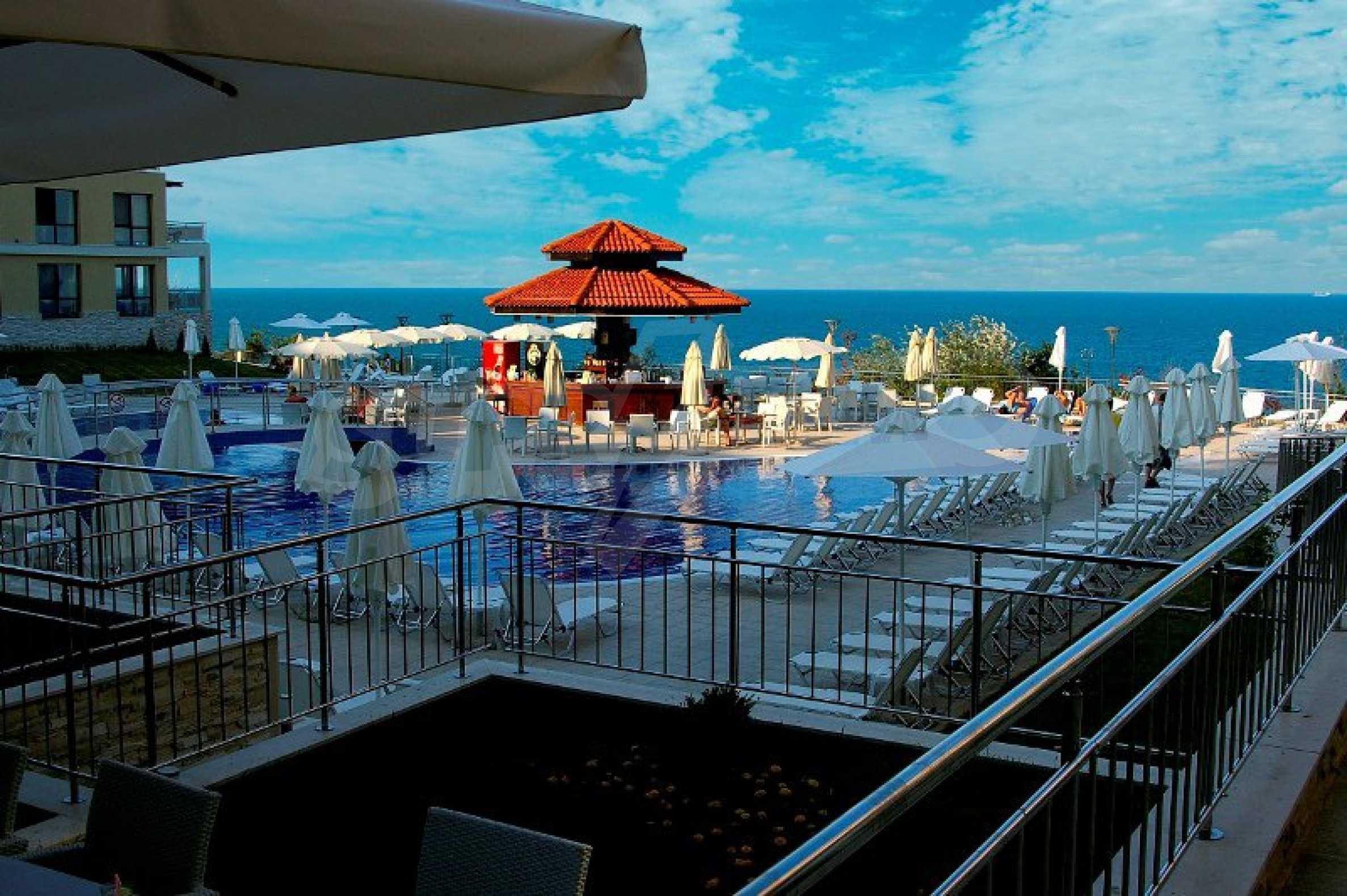 """""""White Beach Resort"""" 6"""