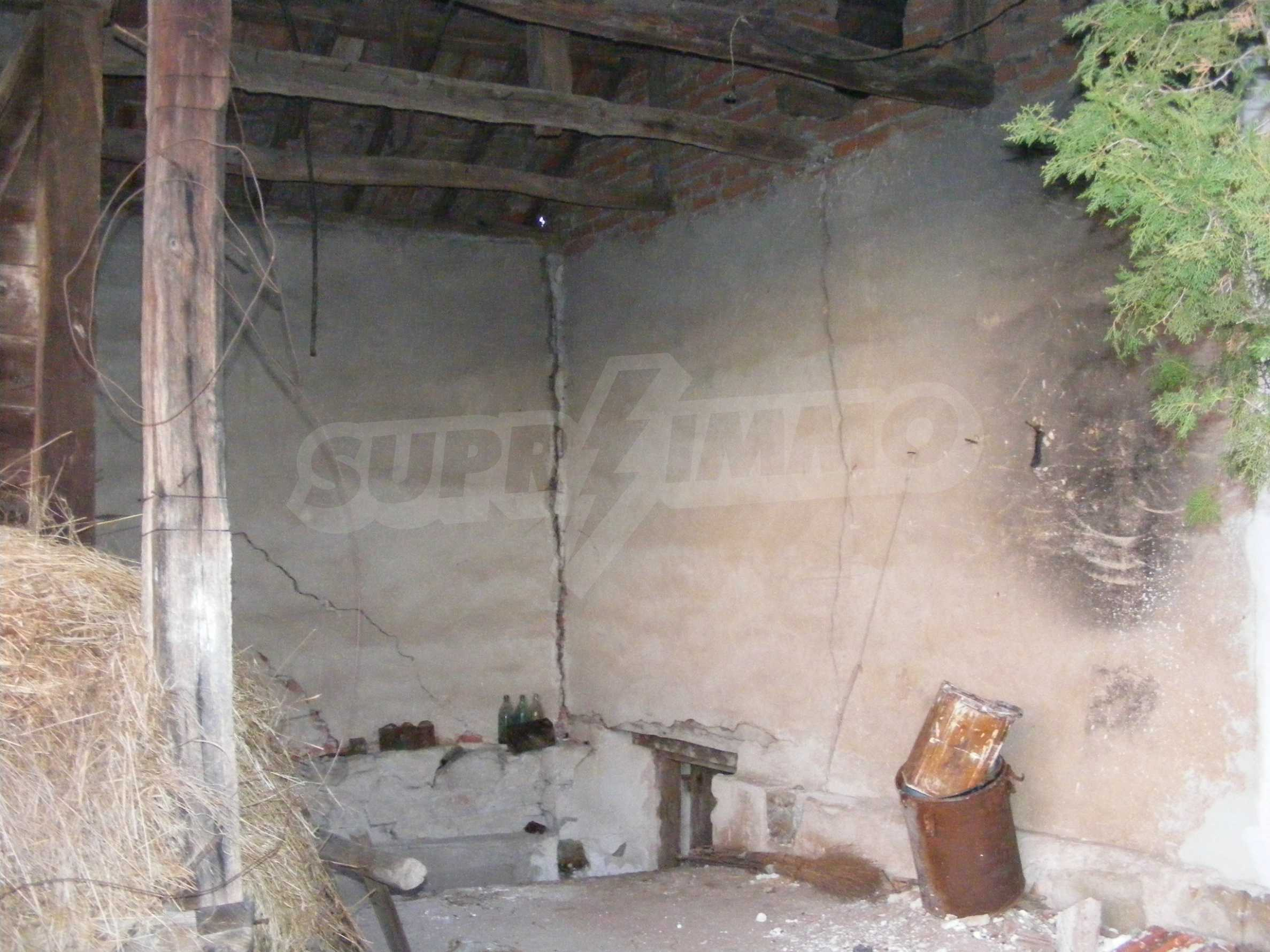 Nice detached house with garden 30 km from Montana and Lom 23
