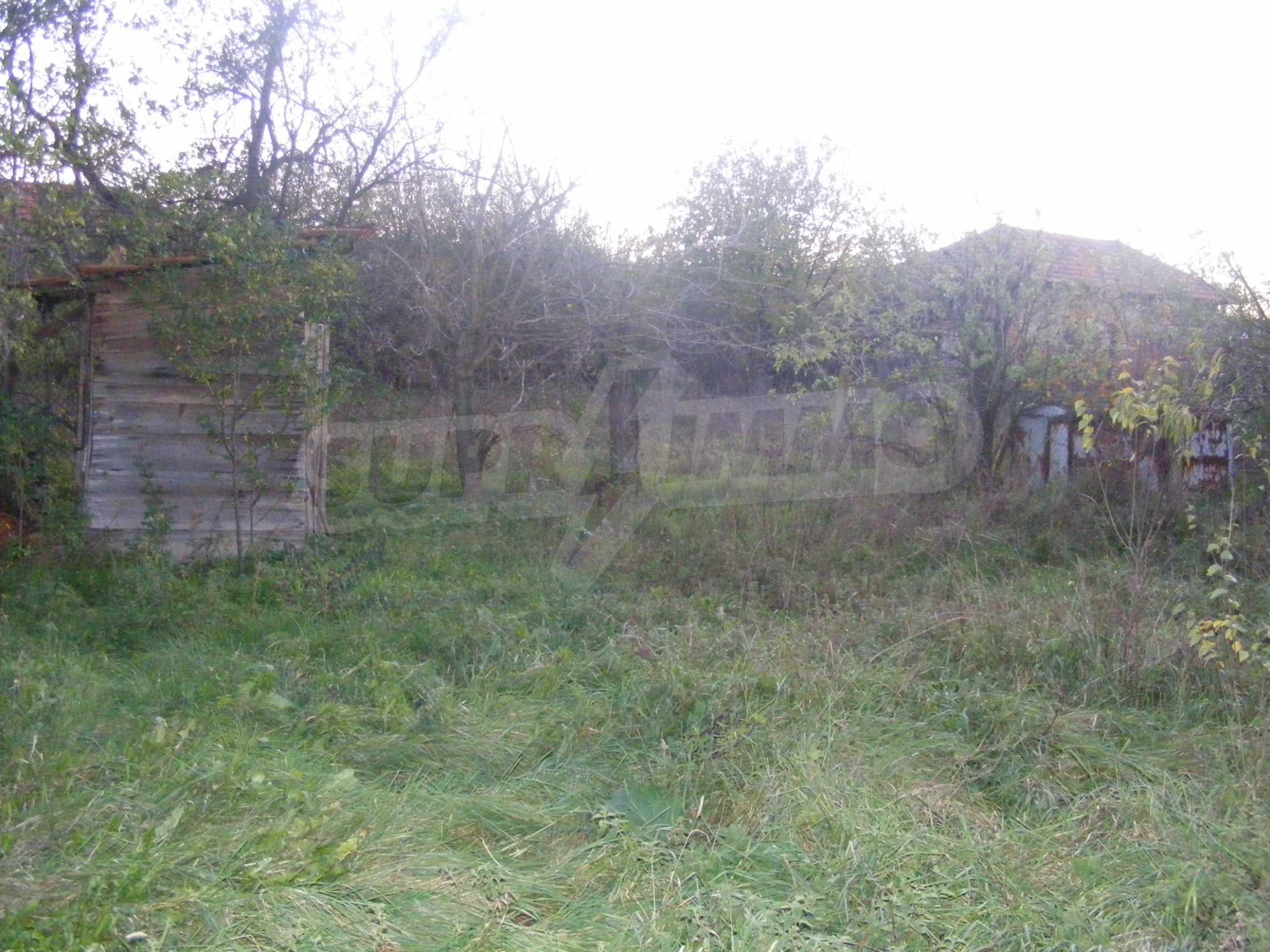 Nice detached house with garden 30 km from Montana and Lom 27