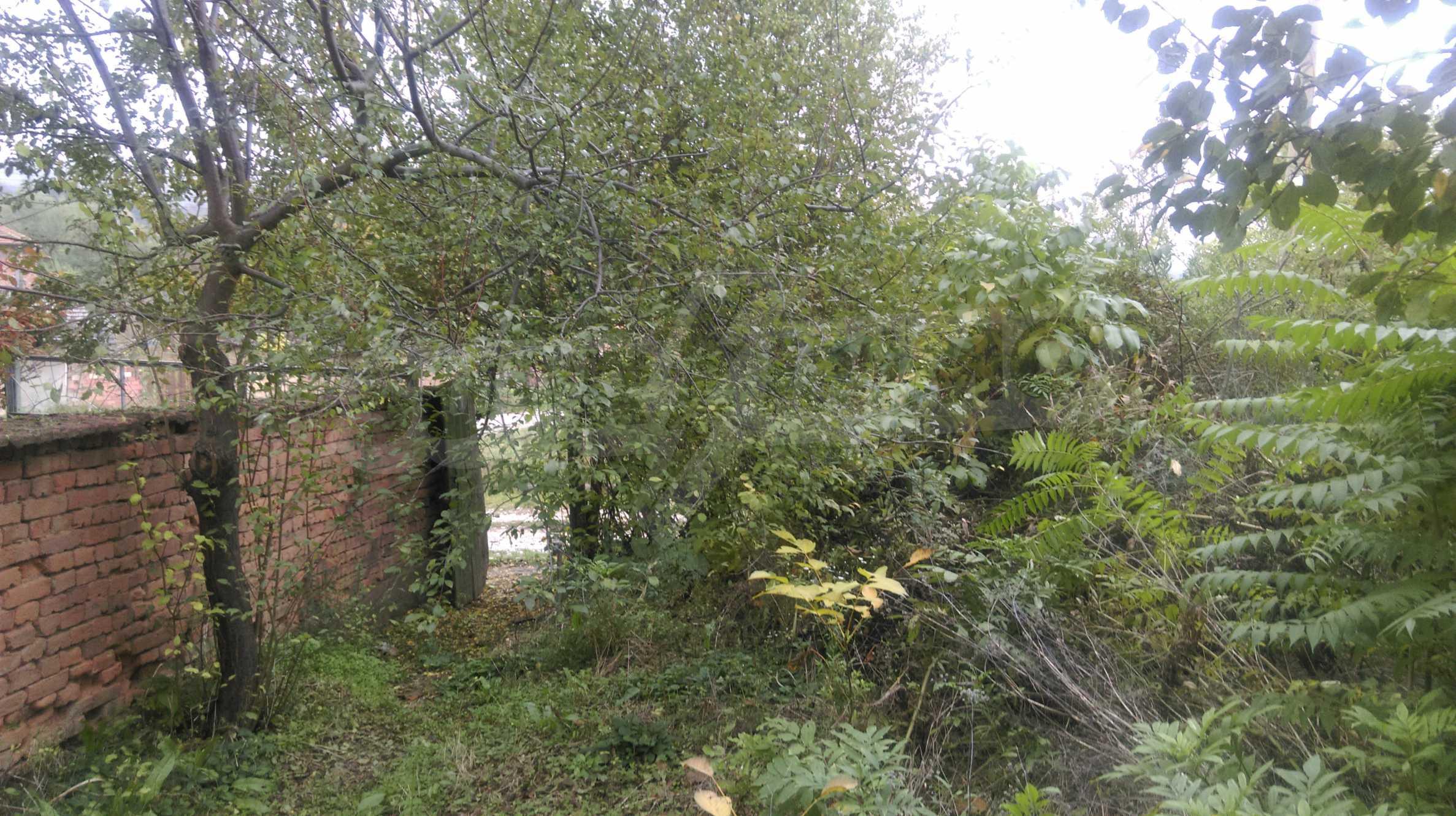 Backsteinhaus mit großem Garten in der Nähe von Mineralquellen und der Donau 9