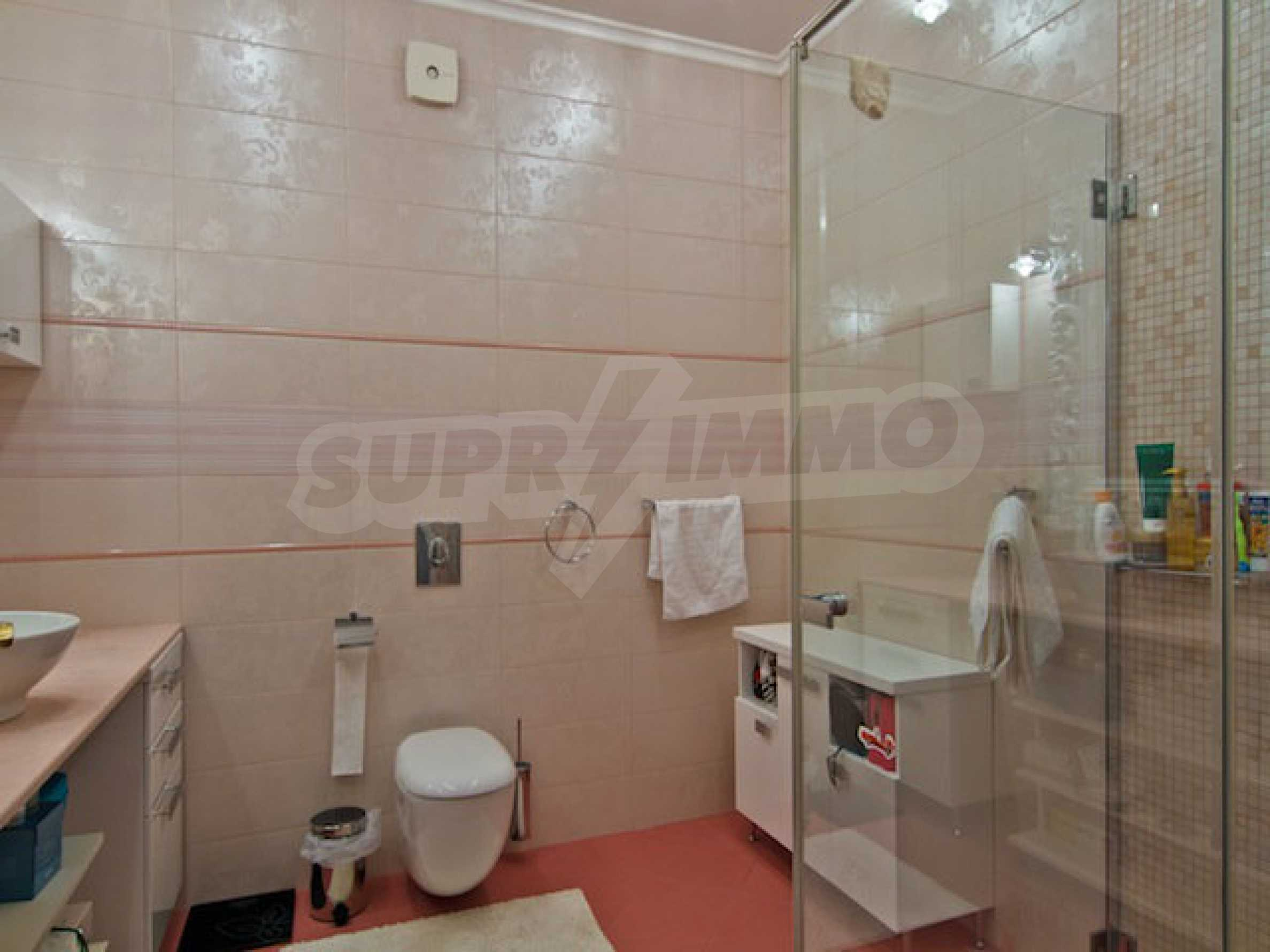 Fully and luxuriously furnished large apartment 23