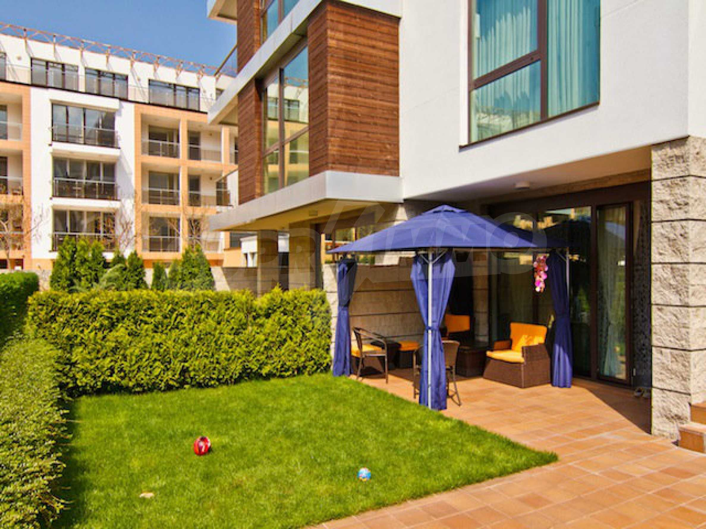 Fully and luxuriously furnished large apartment 32