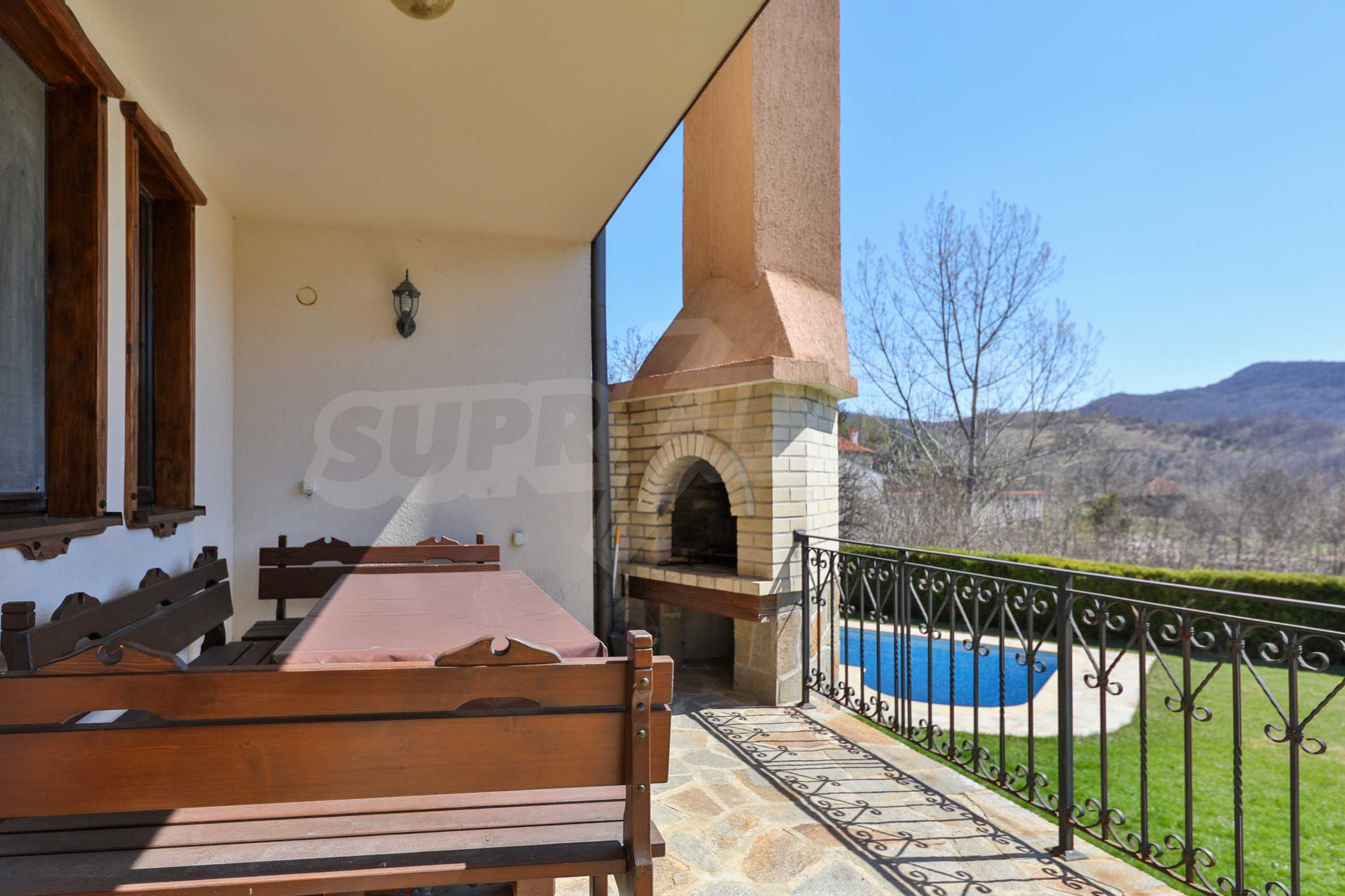 Two houses with swimming pool located close to a lake 46