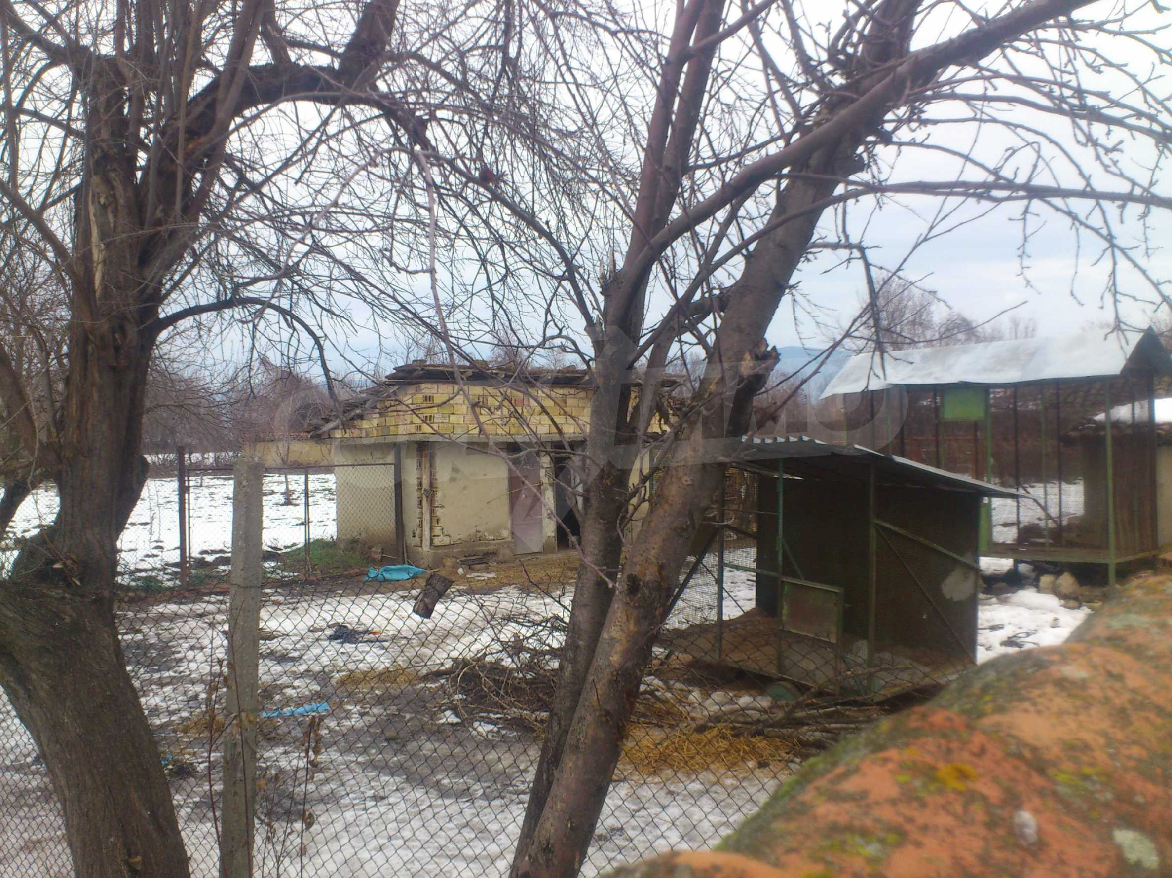 A nice house with a large yard located not far from Yantra river and Veliko Tarnovo 44
