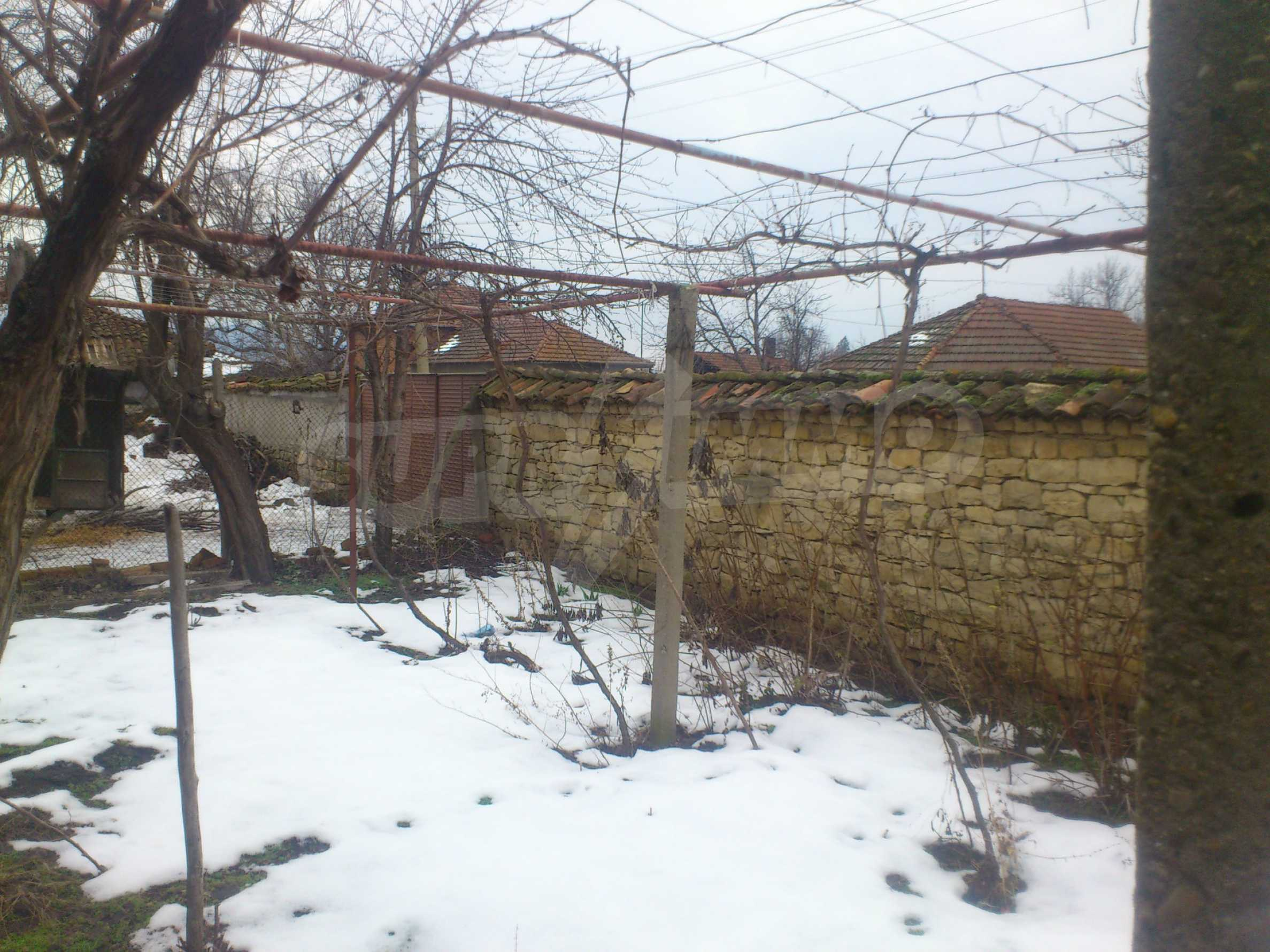A nice house with a large yard located not far from Yantra river and Veliko Tarnovo 47