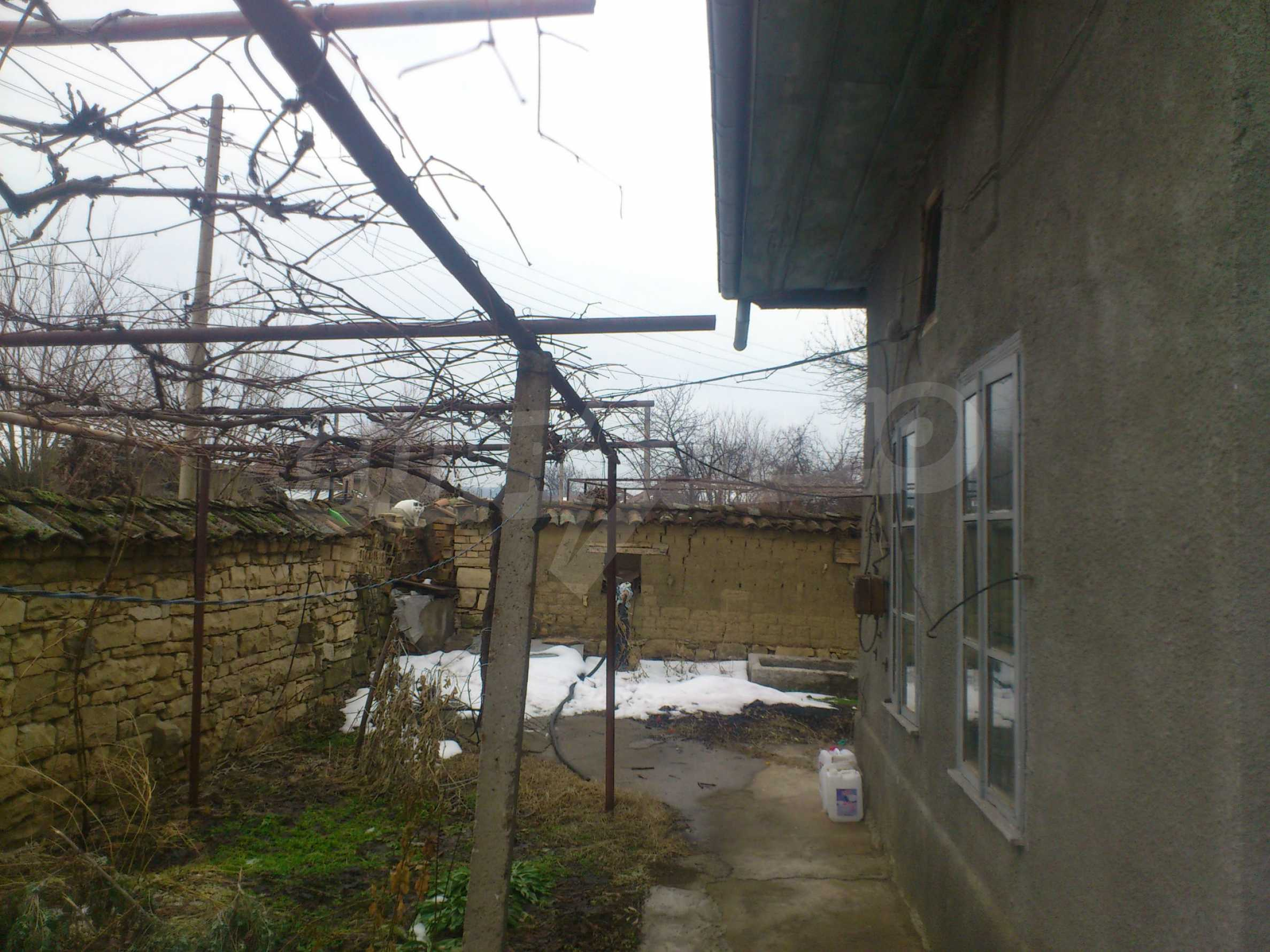 A nice house with a large yard located not far from Yantra river and Veliko Tarnovo 49