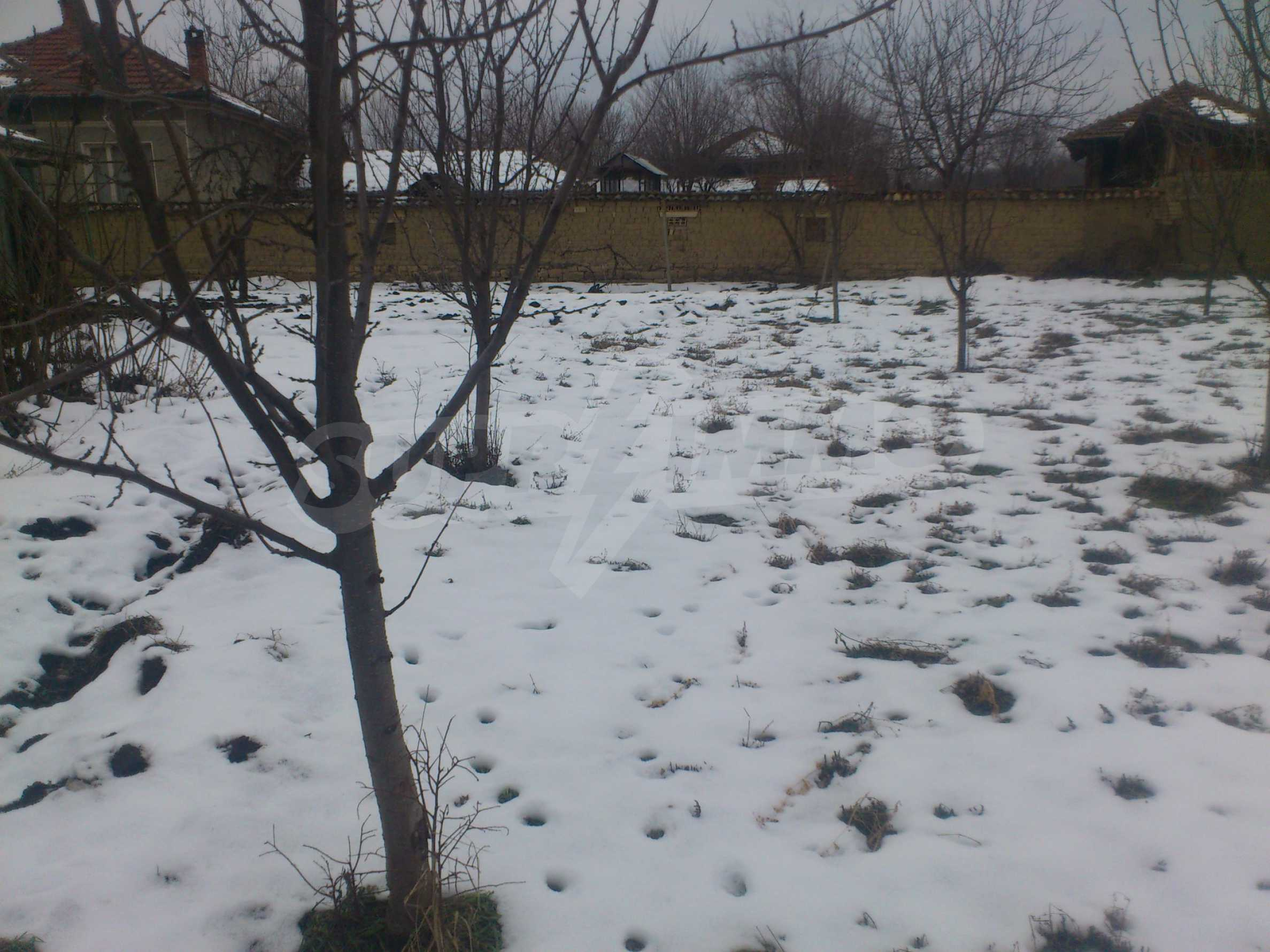 A nice house with a large yard located not far from Yantra river and Veliko Tarnovo 56