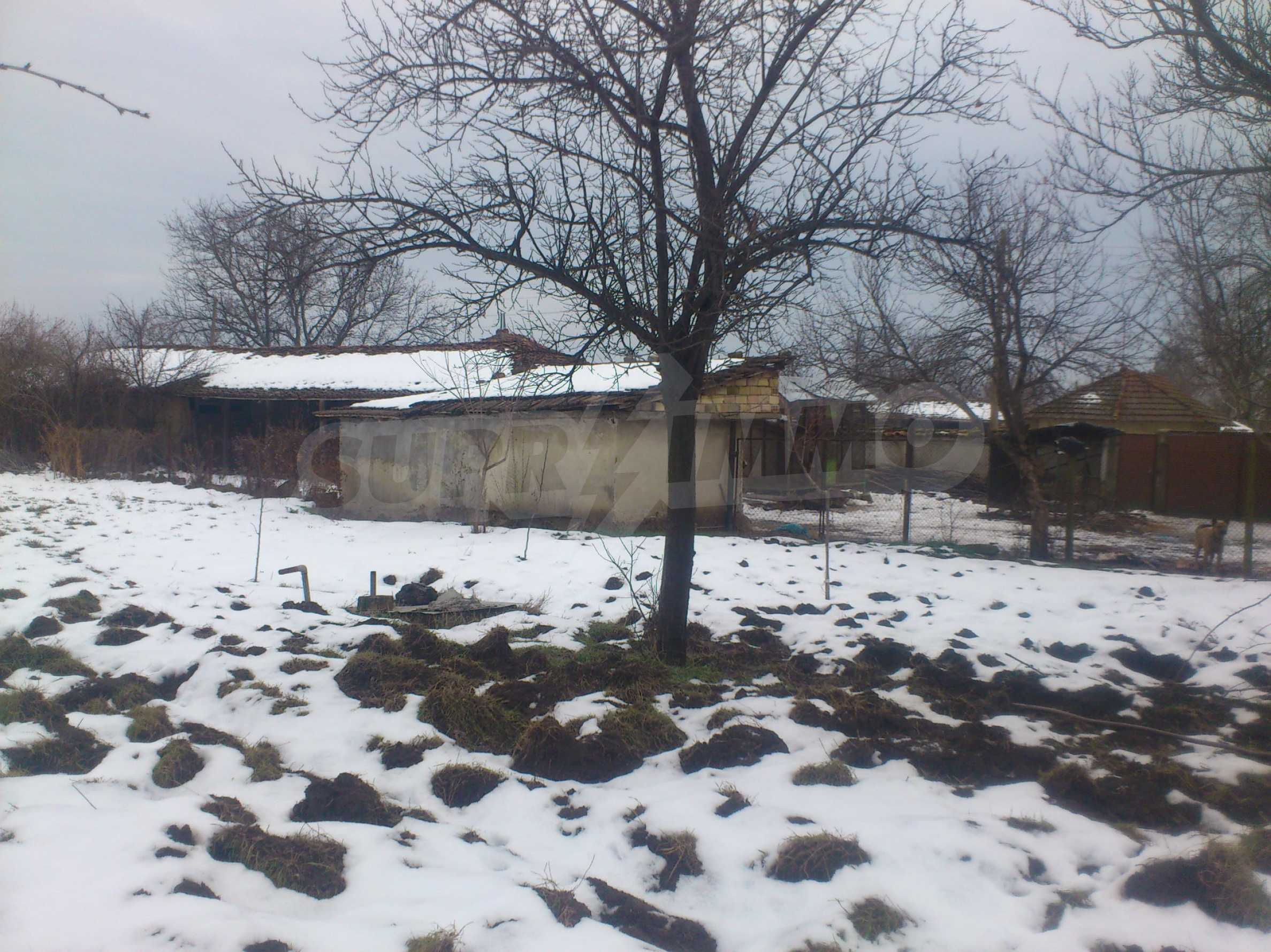 A nice house with a large yard located not far from Yantra river and Veliko Tarnovo 58