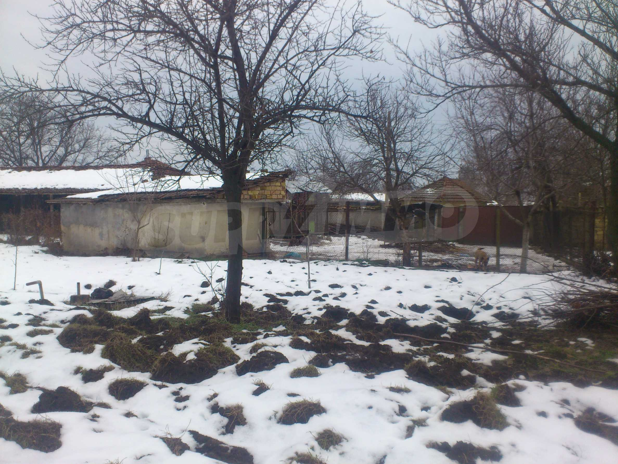 A nice house with a large yard located not far from Yantra river and Veliko Tarnovo 59