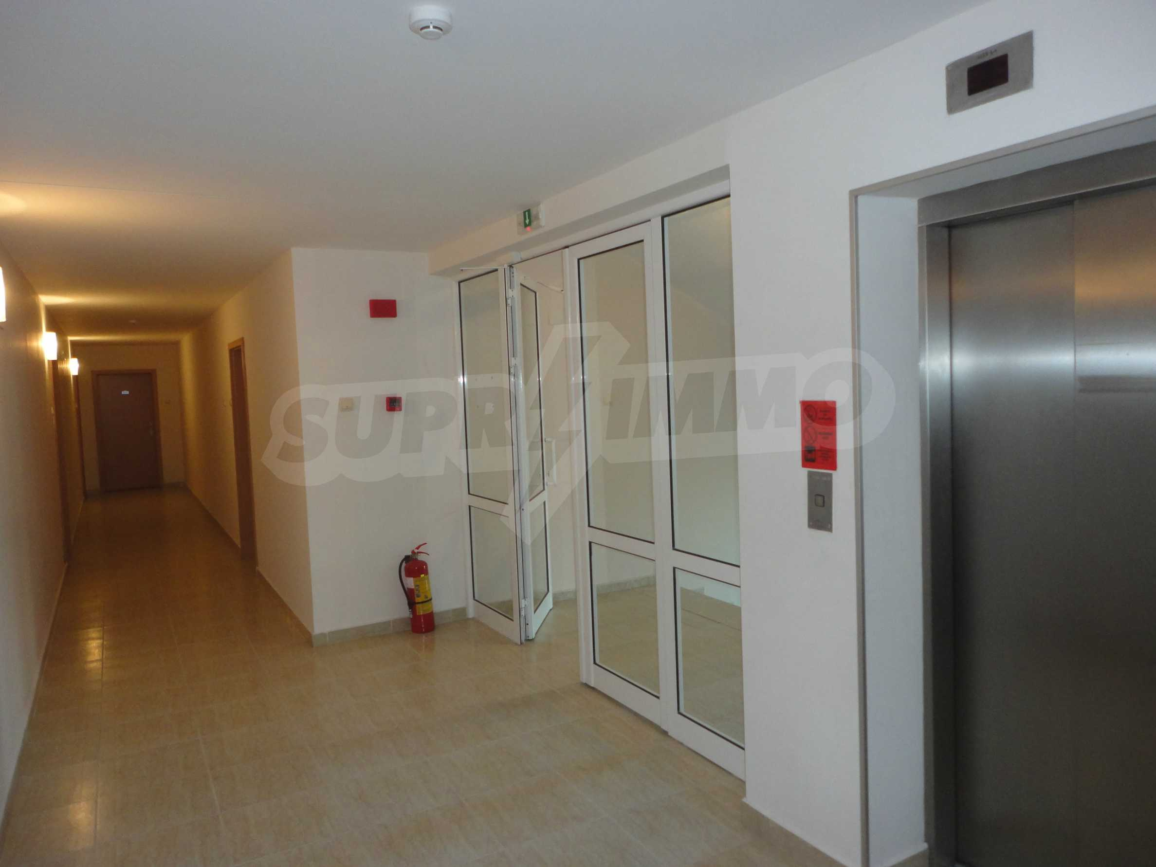One-bedroom apartment in Golden Dreams complex in Sunny beach 12