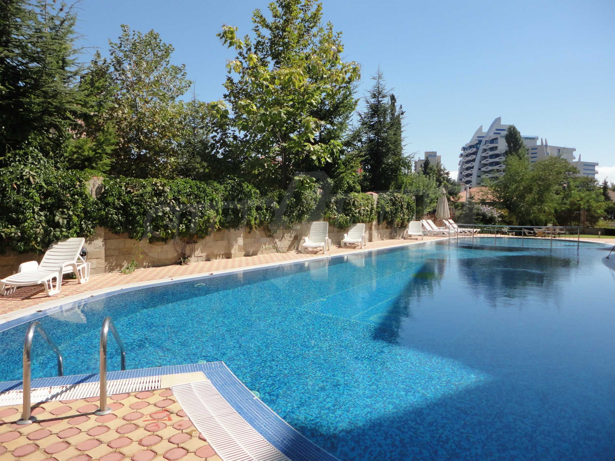 One-bedroom apartment in Golden Dreams complex in Sunny beach 15