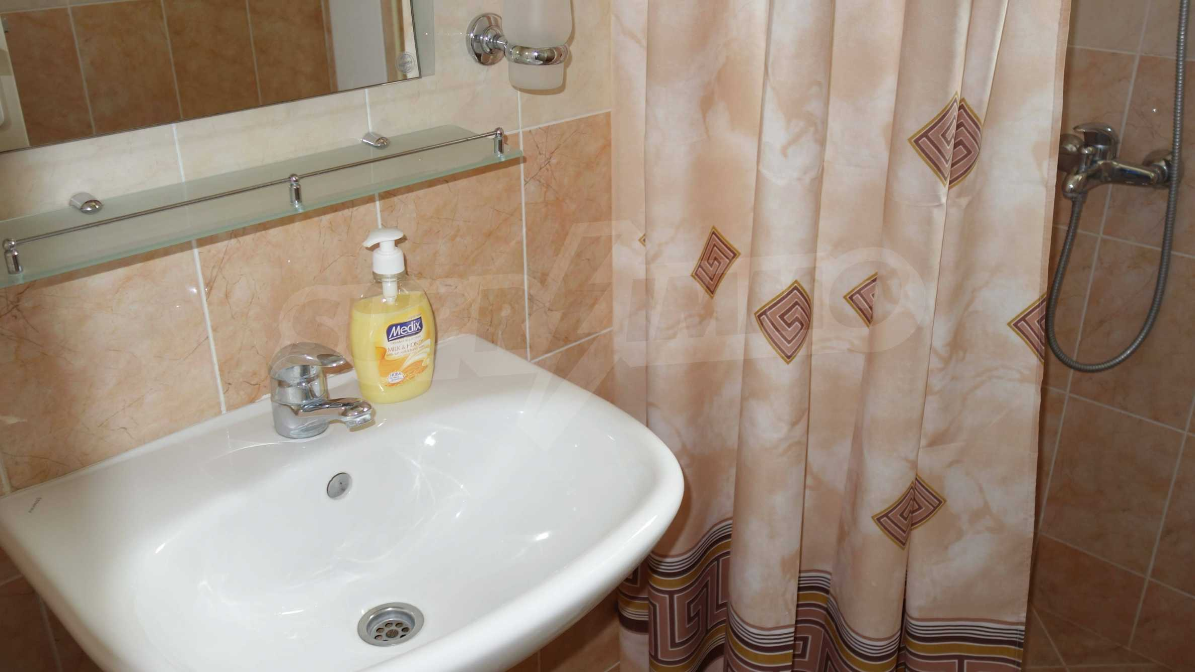One-bedroom apartment in Starfish complex in Sveti Vlas 12