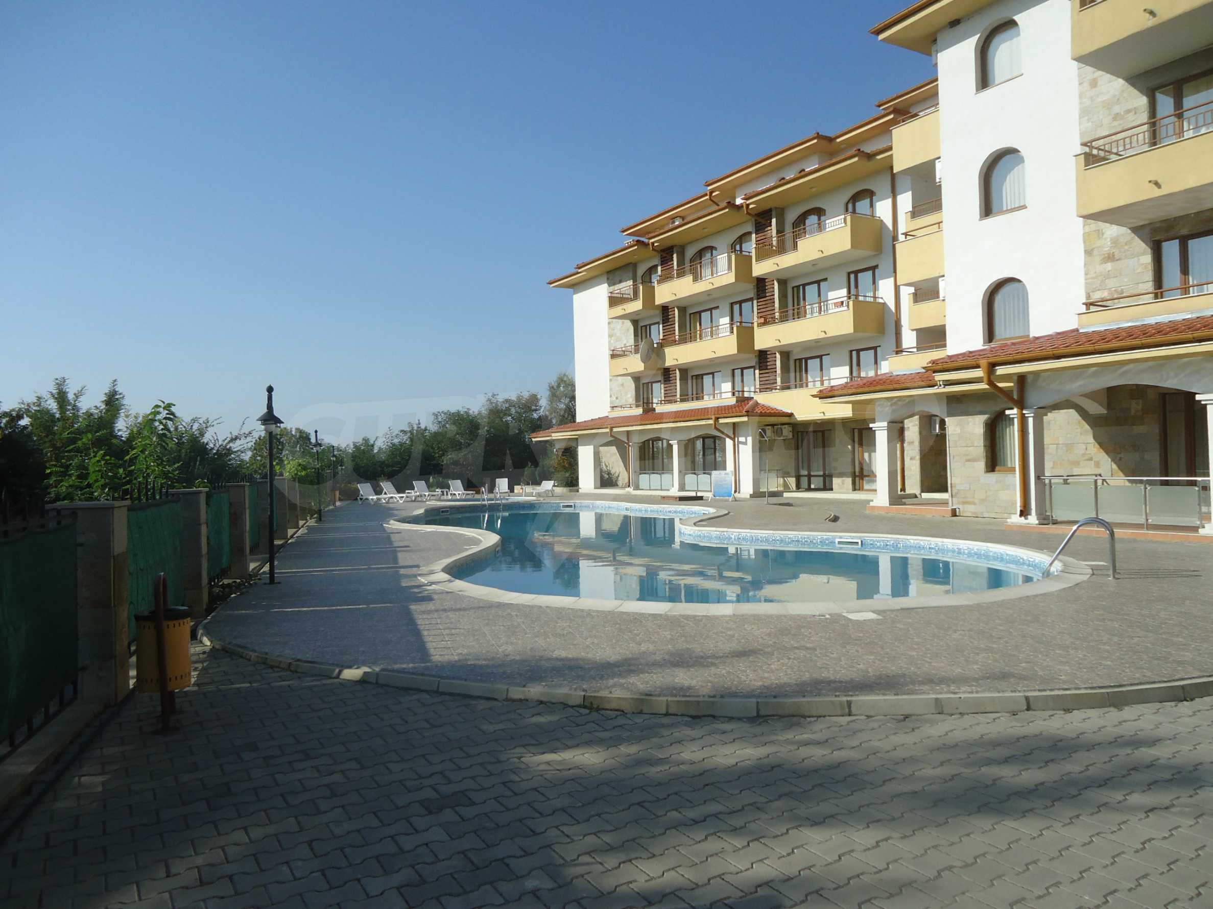 One bedroom apartment in Dream Holiday complex in Ravda 16