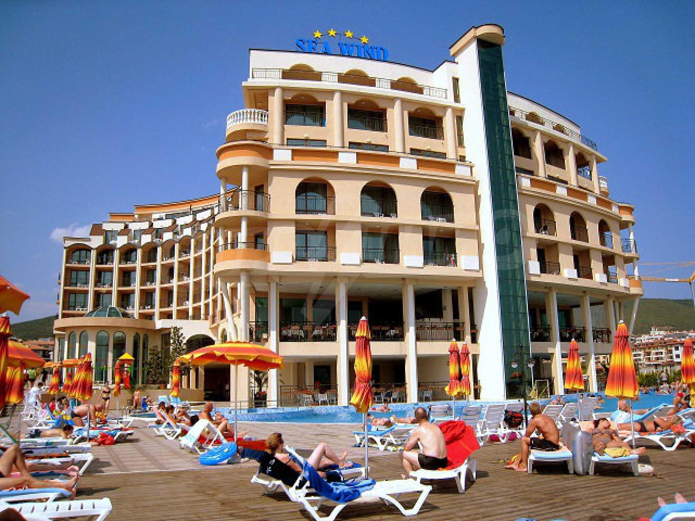 One-bedroom apartment in Chateau Sea Wind complex in Sveti Vlas 10
