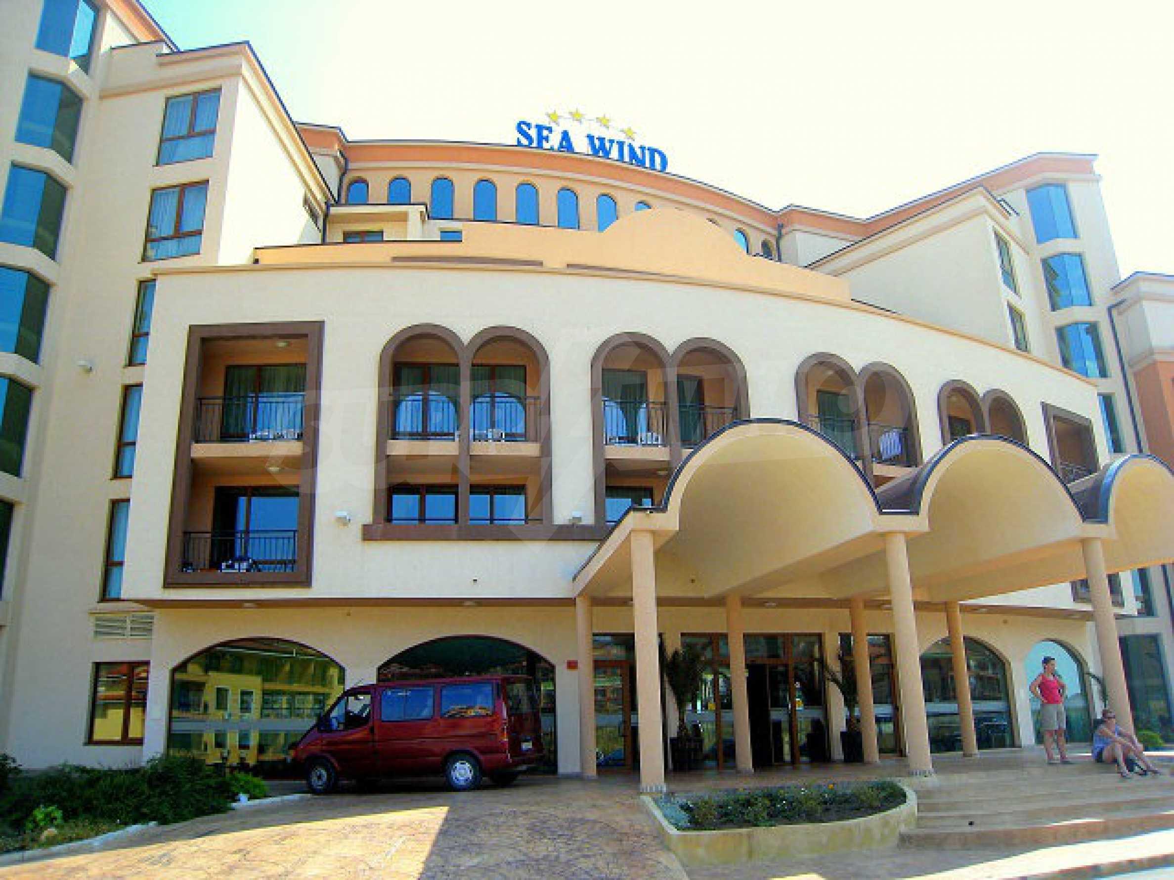 One-bedroom apartment in Chateau Sea Wind complex in Sveti Vlas 11