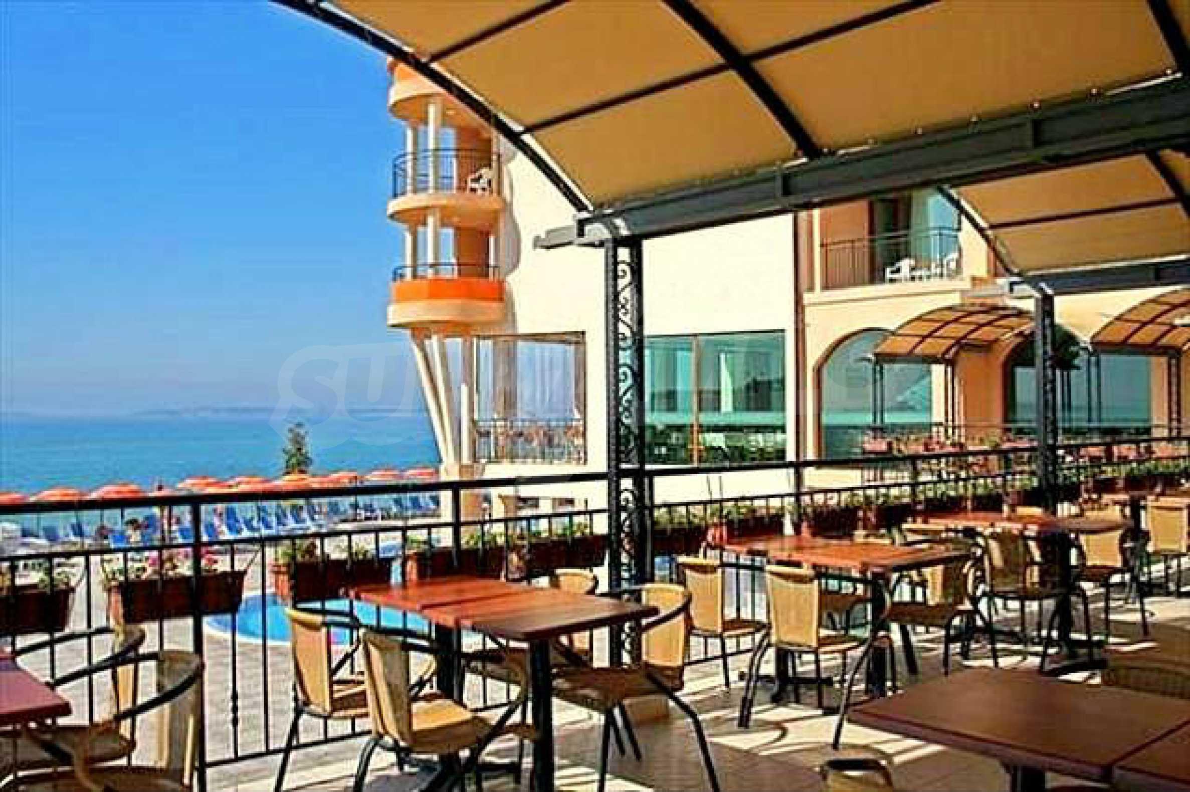 One-bedroom apartment in Chateau Sea Wind complex in Sveti Vlas 12
