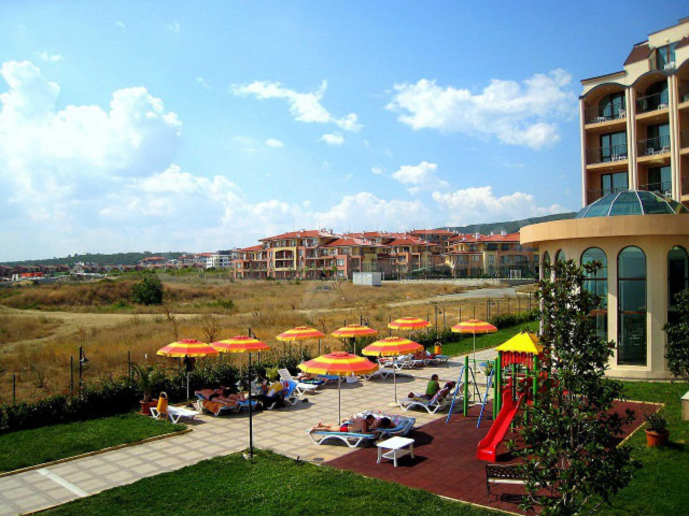 One-bedroom apartment in Chateau Sea Wind complex in Sveti Vlas 13
