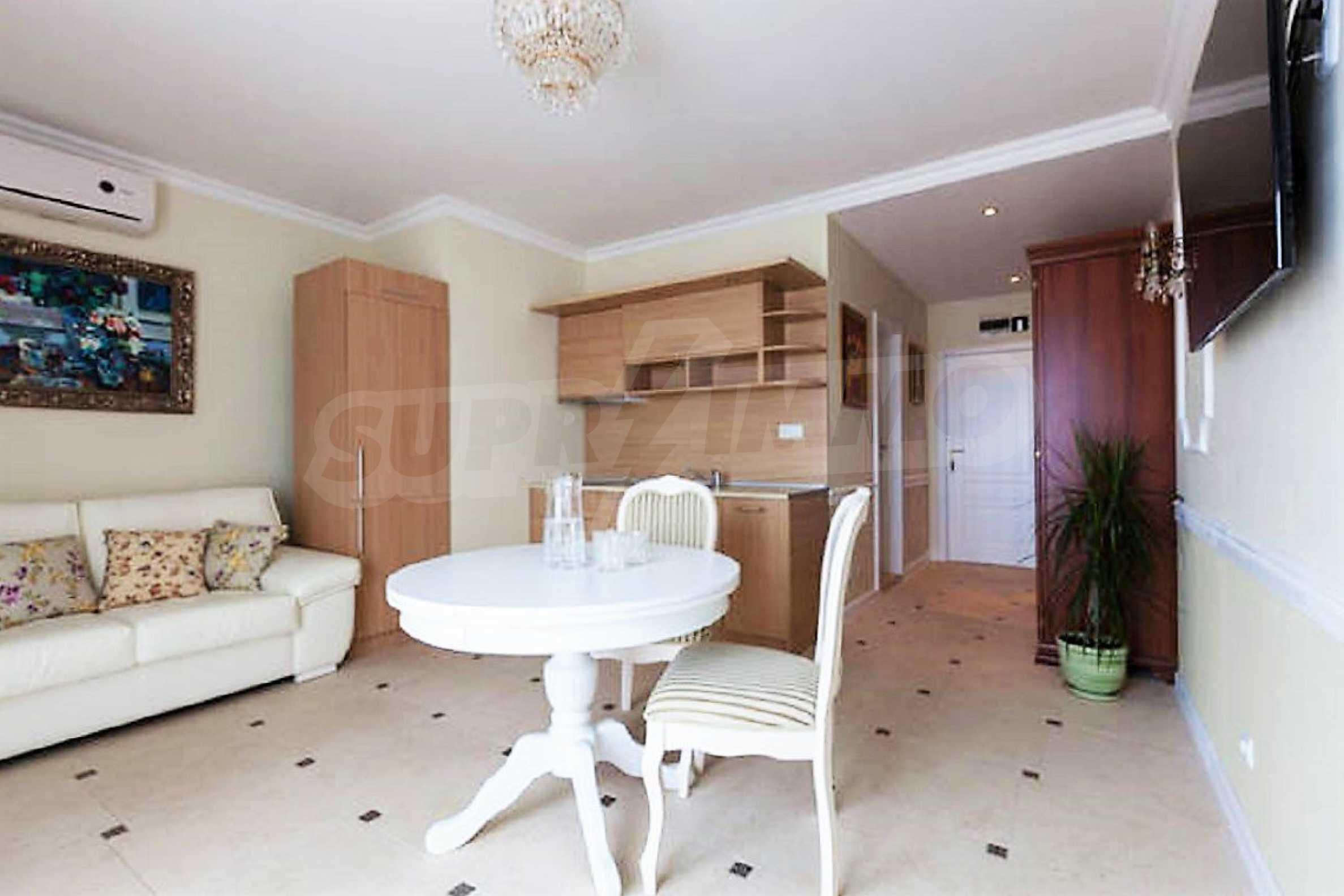 One-bedroom apartment in Chateau Sea Wind complex in Sveti Vlas 4