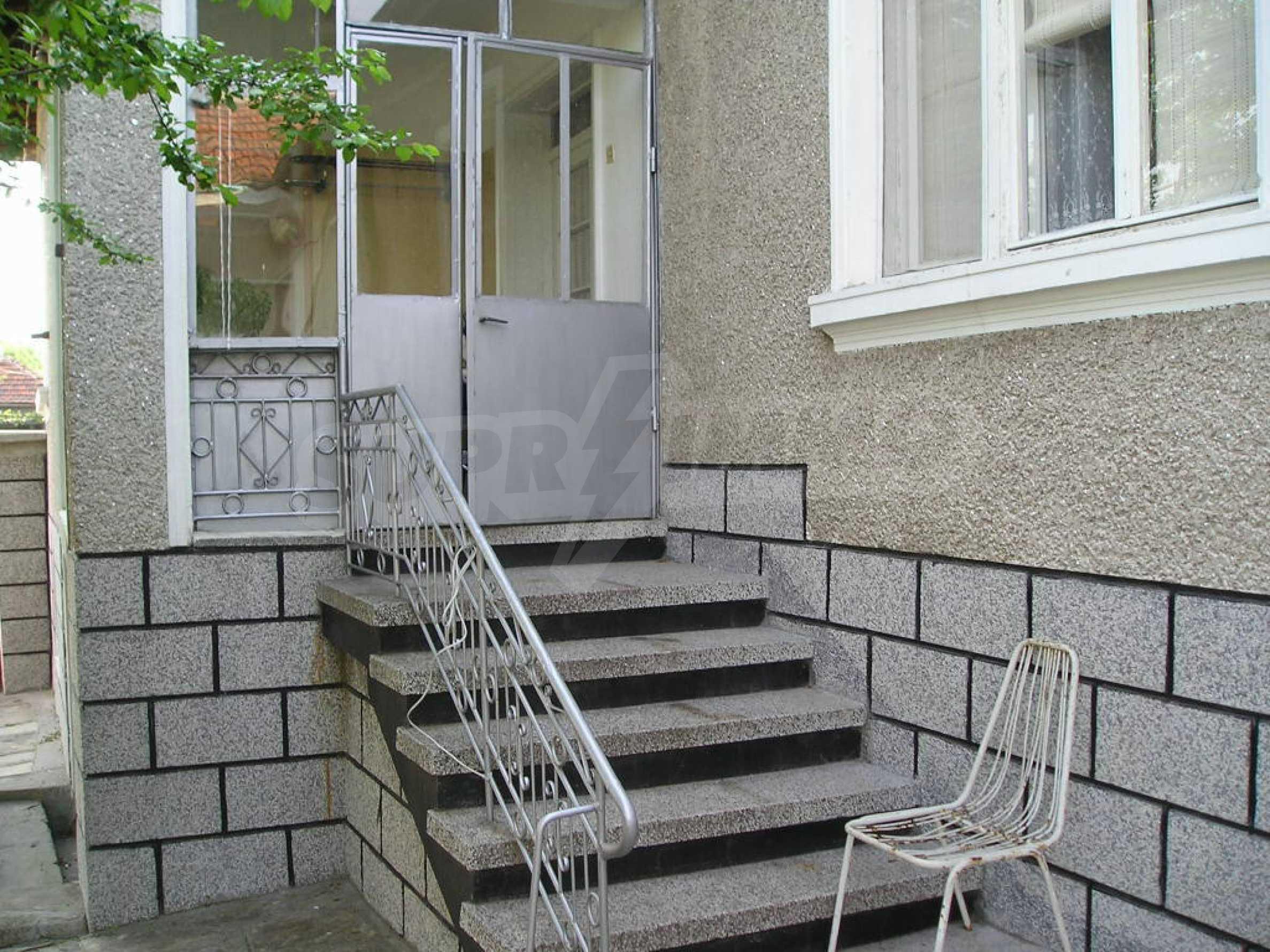 Spacious 1-storey house with yard in Simeonovgrad 10