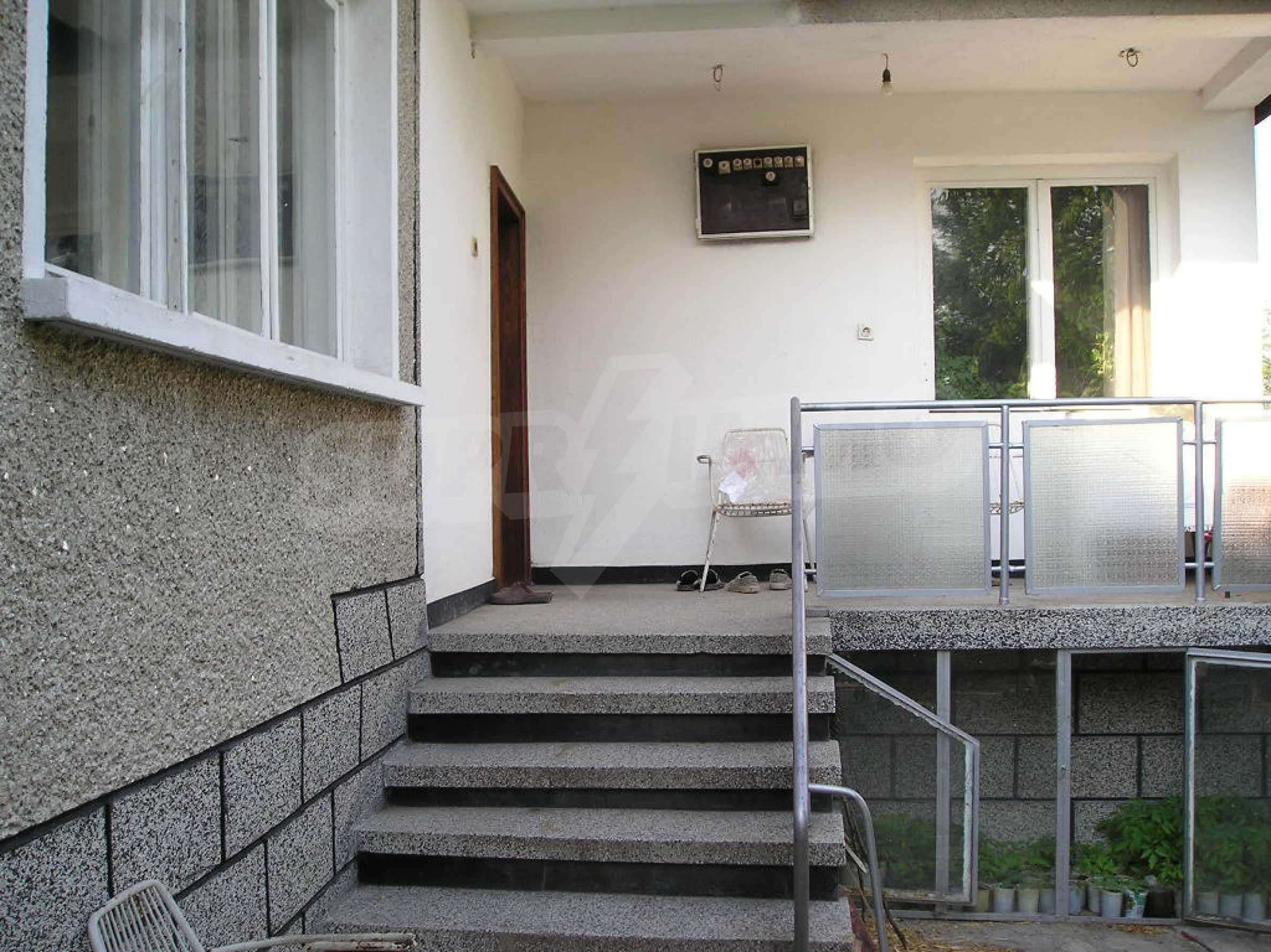 Spacious 1-storey house with yard in Simeonovgrad 1