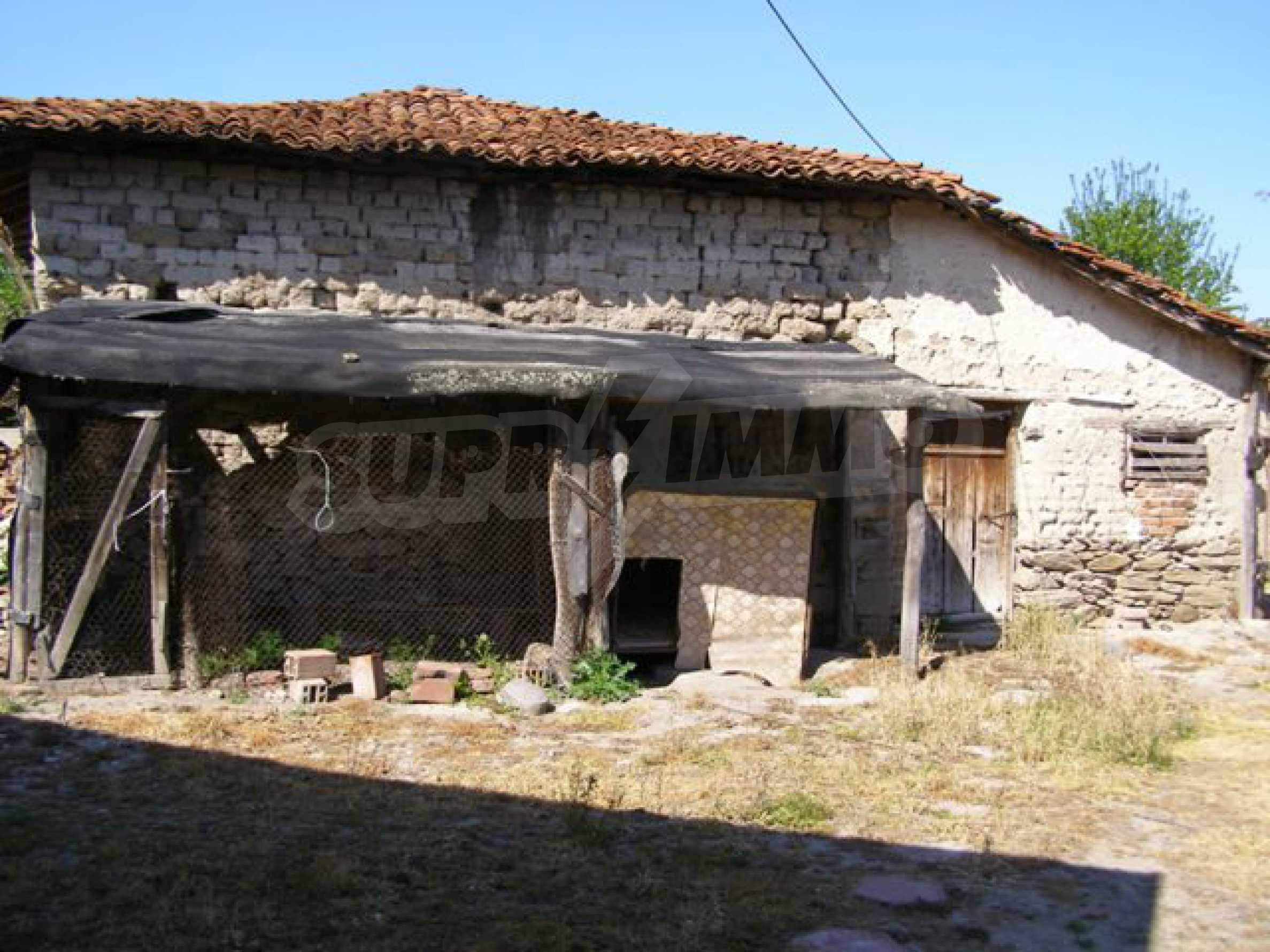 Spacious 1-storey house with yard in Simeonovgrad 19