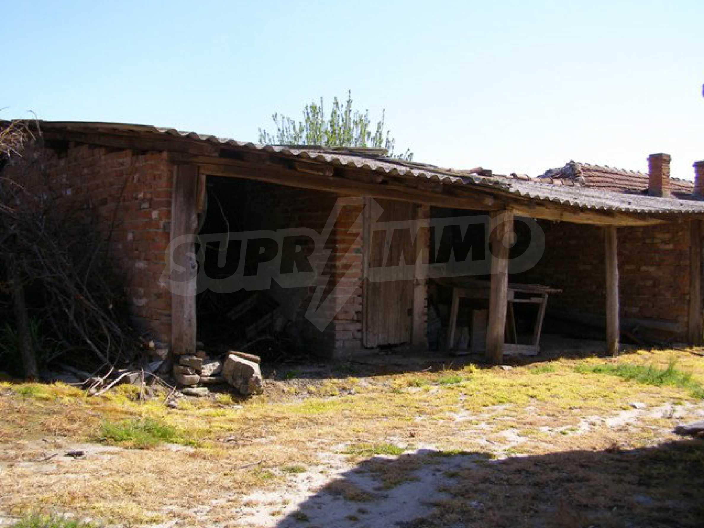 Spacious 1-storey house with yard in Simeonovgrad 26