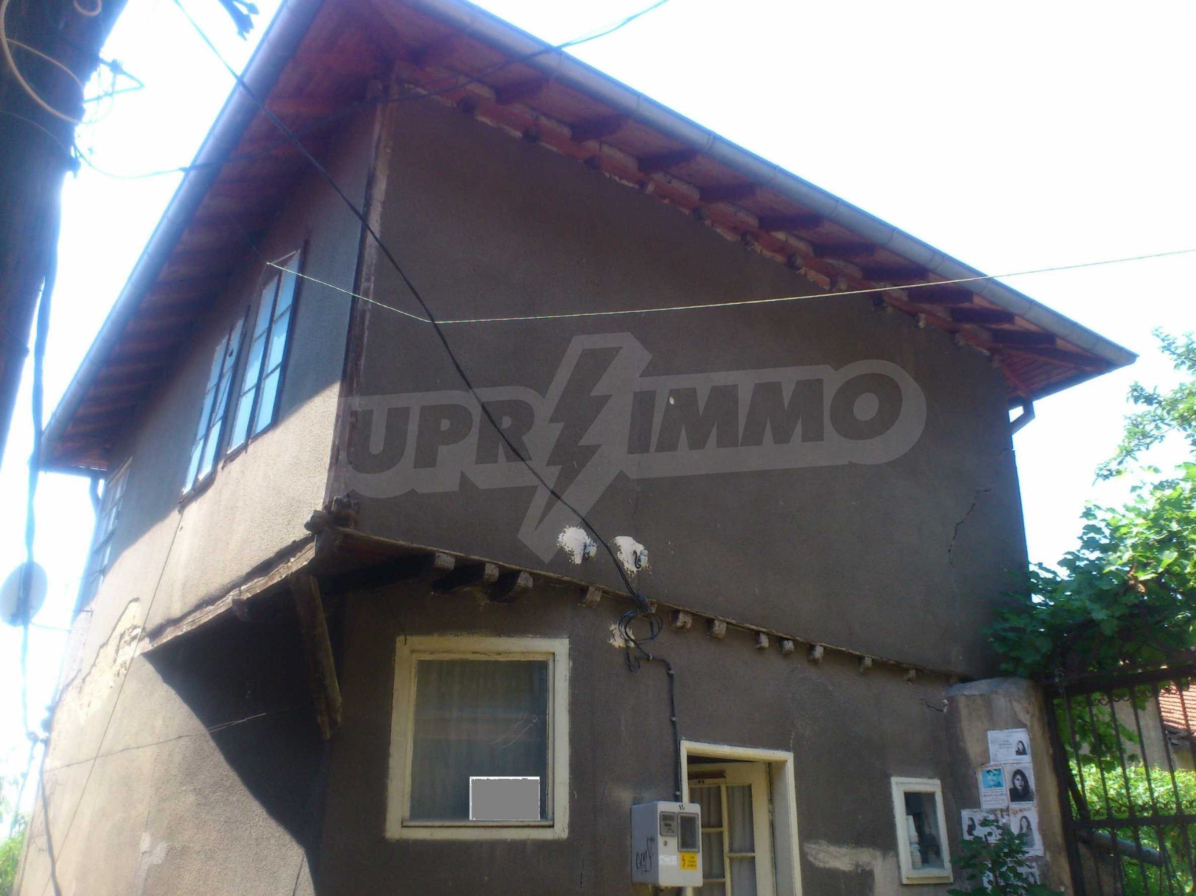 Traditional, spacious house located in the old part of Veliko Tarnovo 9