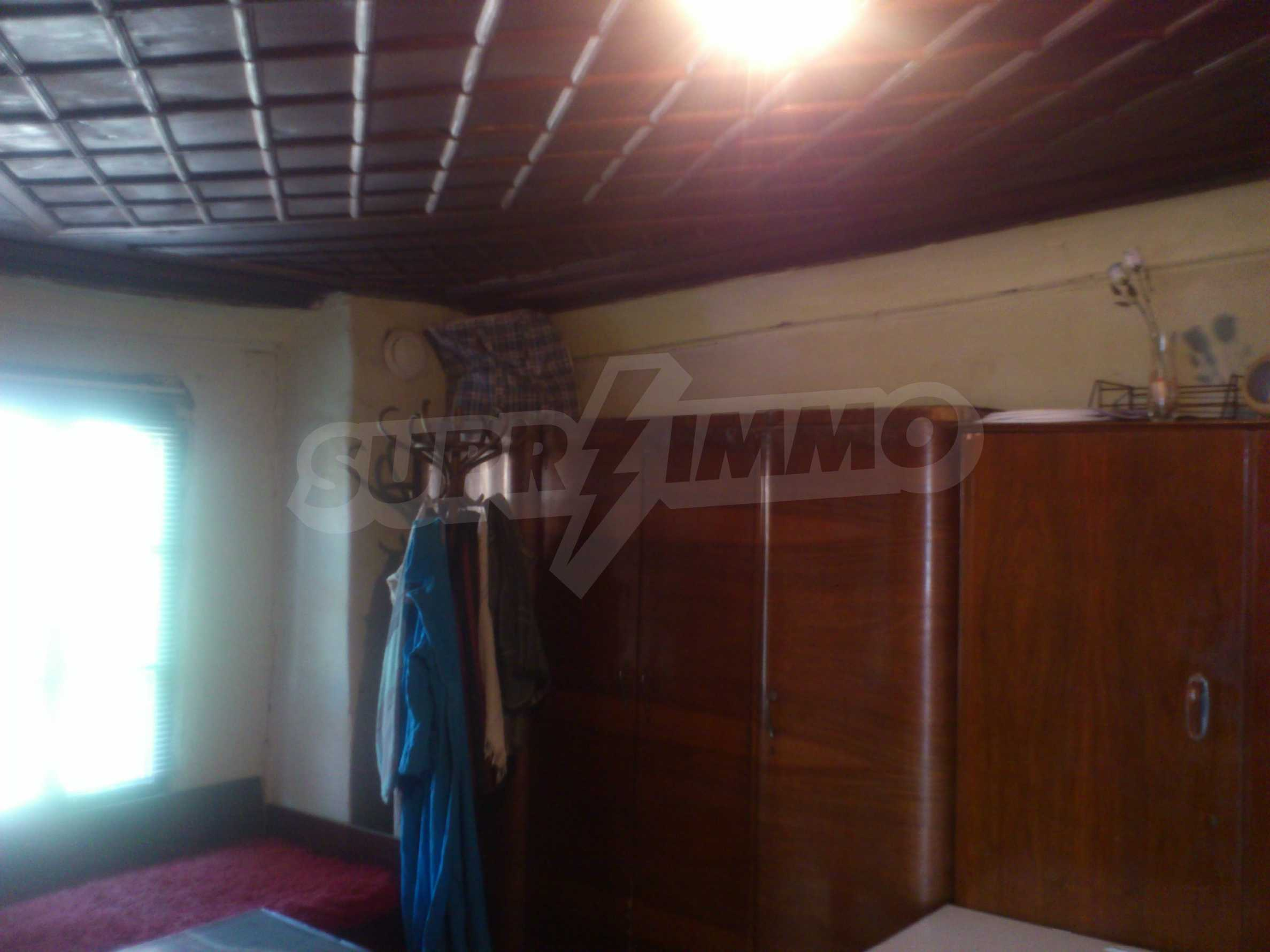 Traditional, spacious house located in the old part of Veliko Tarnovo 16