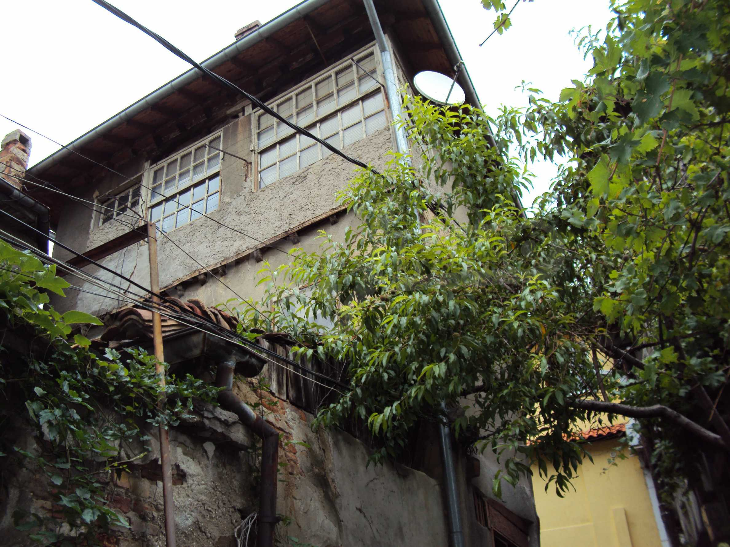 Traditional, spacious house located in the old part of Veliko Tarnovo 1