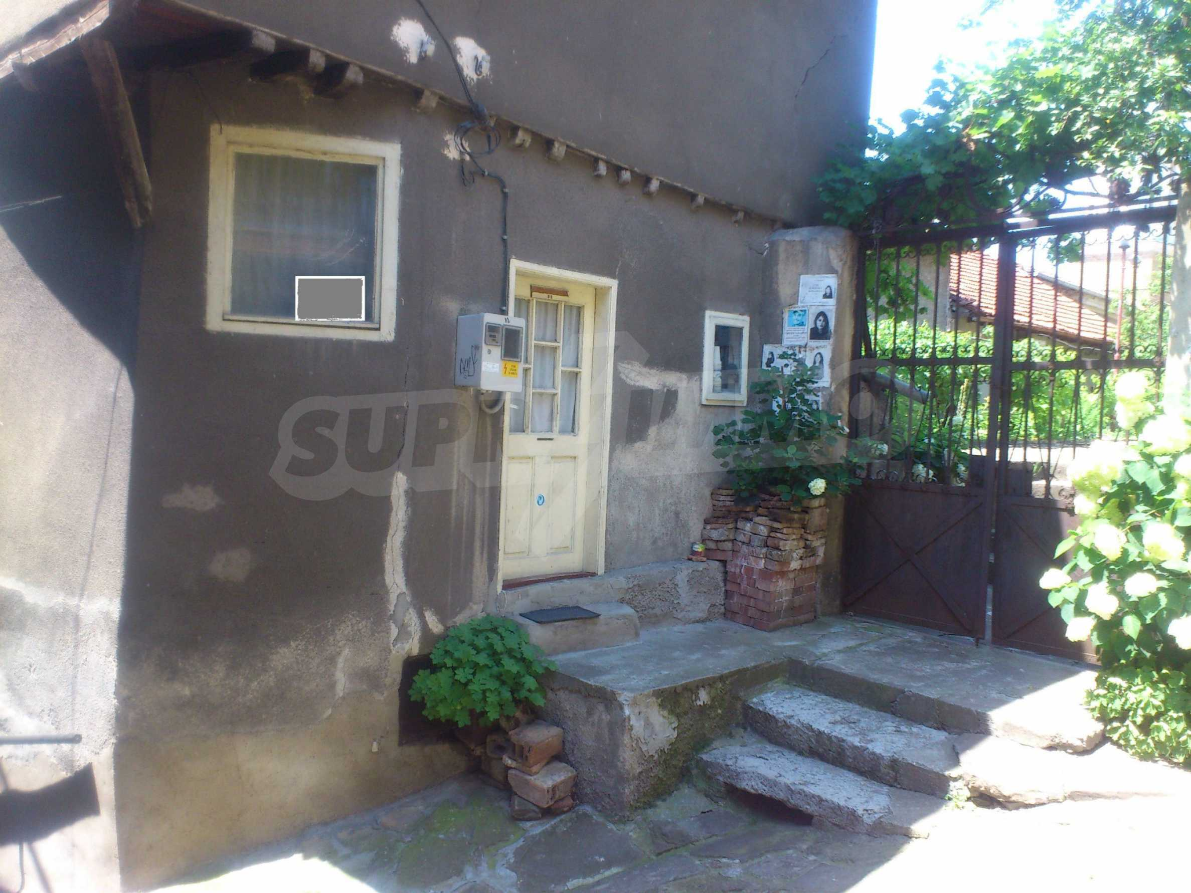 Traditional, spacious house located in the old part of Veliko Tarnovo 33