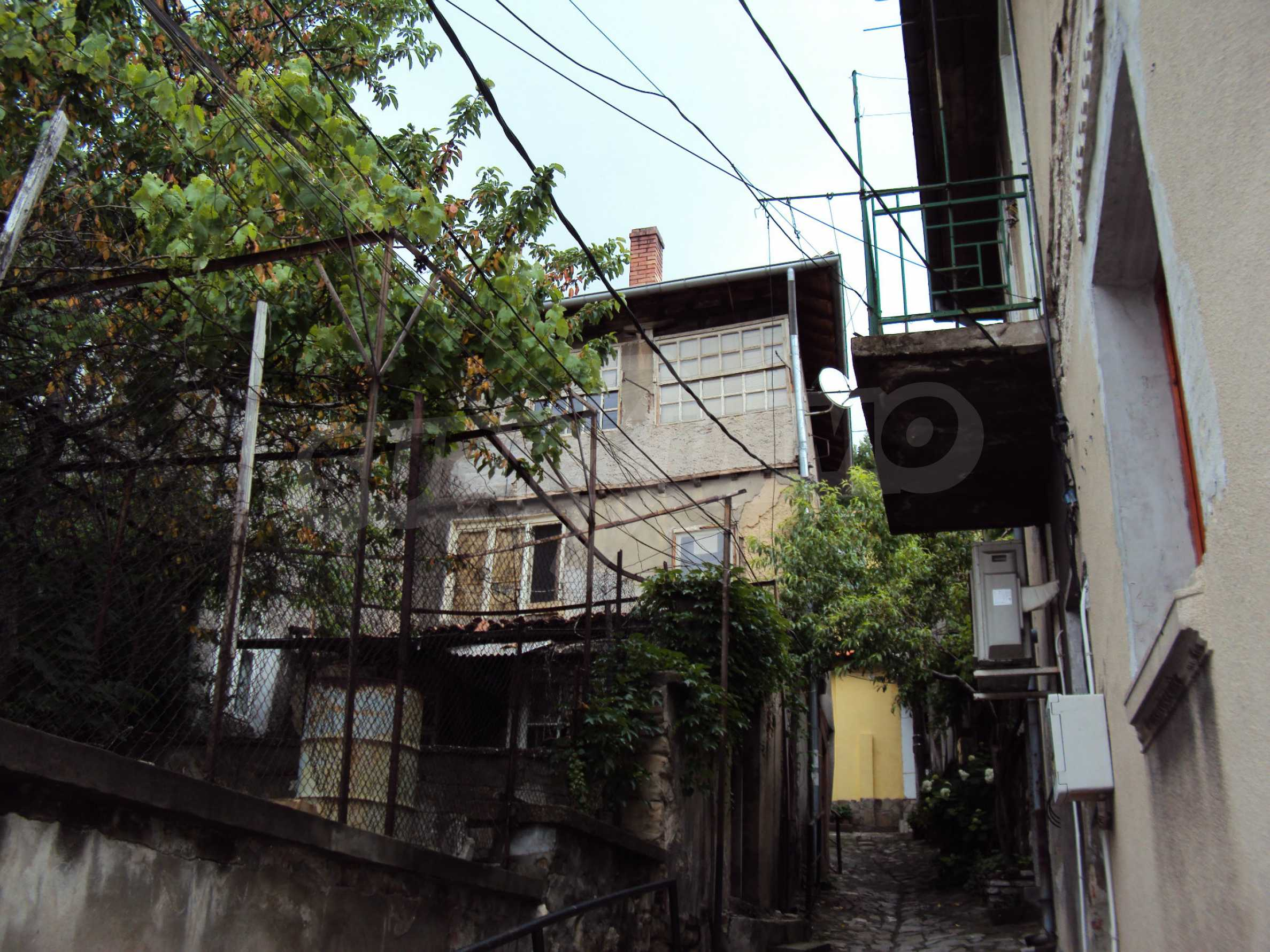 Traditional, spacious house located in the old part of Veliko Tarnovo 3