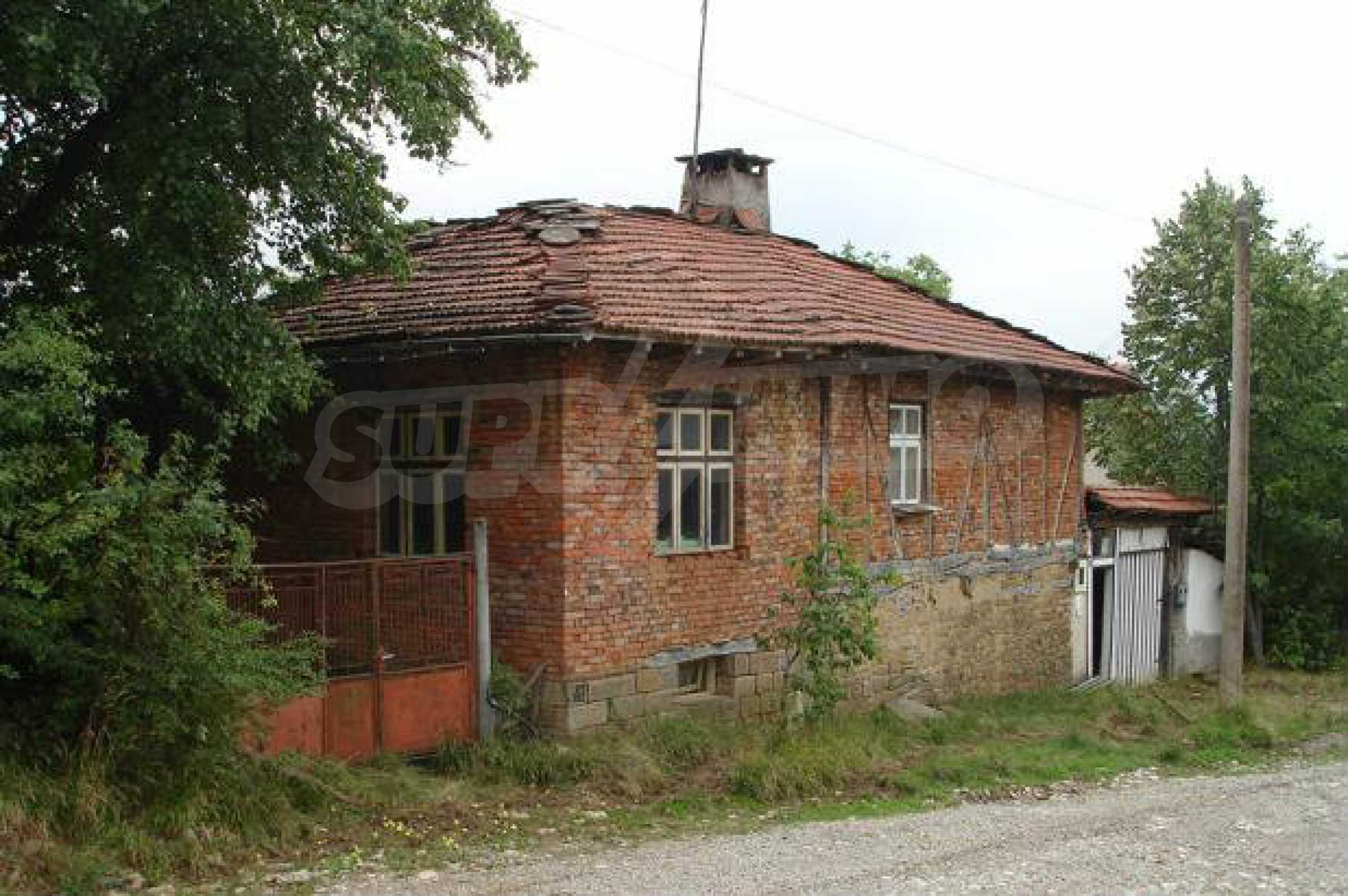 Two-storey house located 10km from Troyan