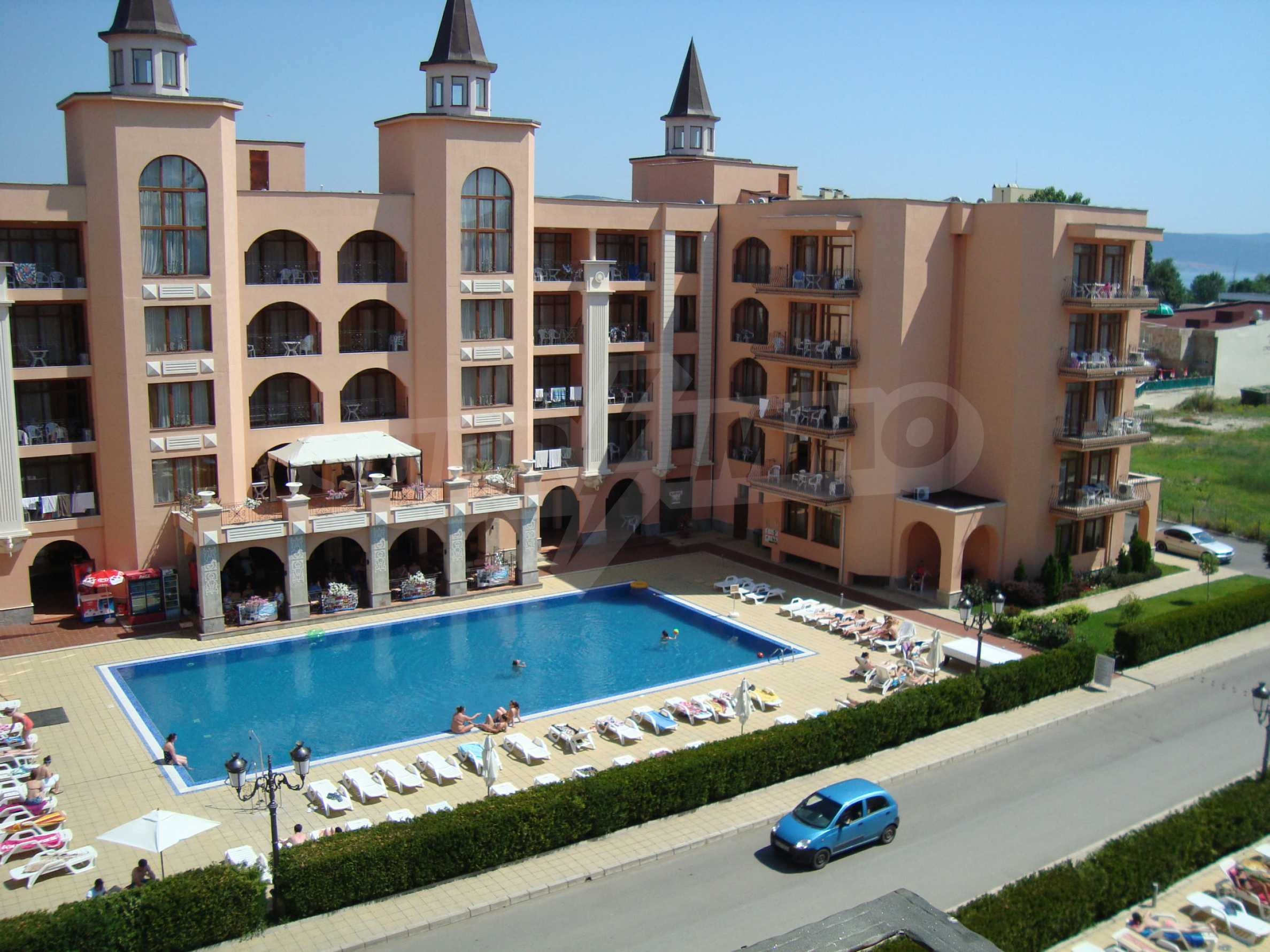 One-bedroom apartment in Palazzo 1 complex in Sunny beach 23