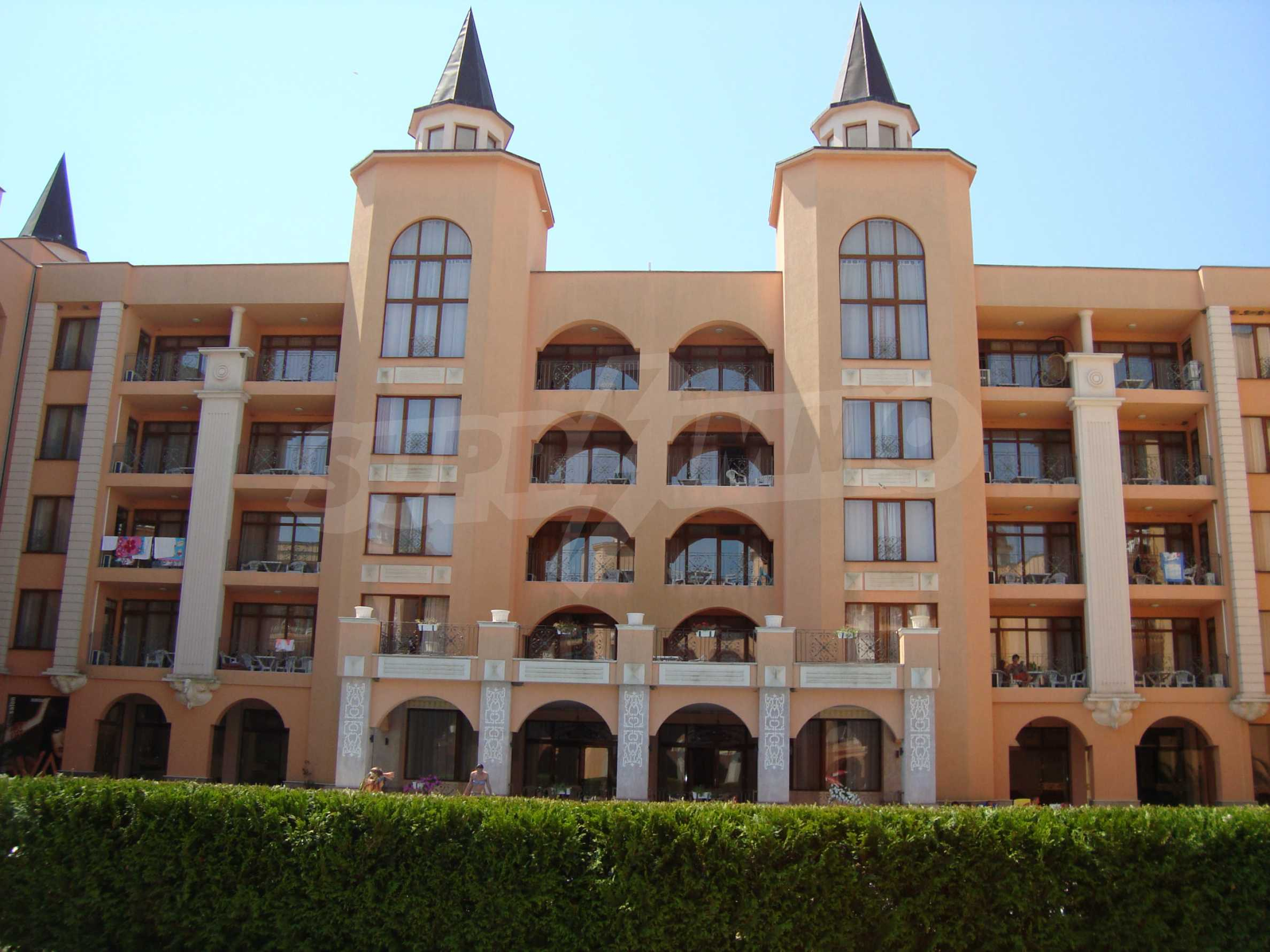 One-bedroom apartment in Palazzo 1 complex in Sunny beach 33