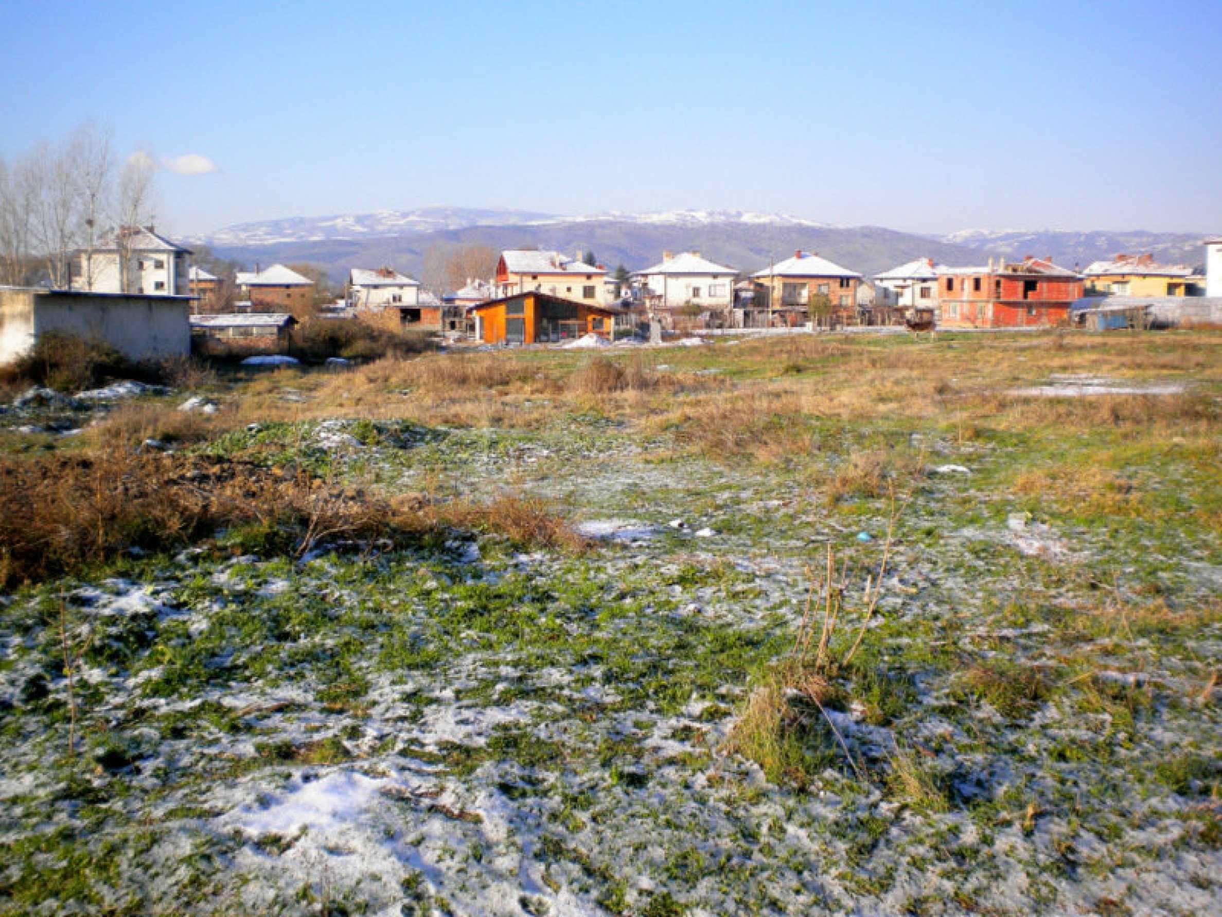 Attractive plot for building detached house 5 km from Sandanski
