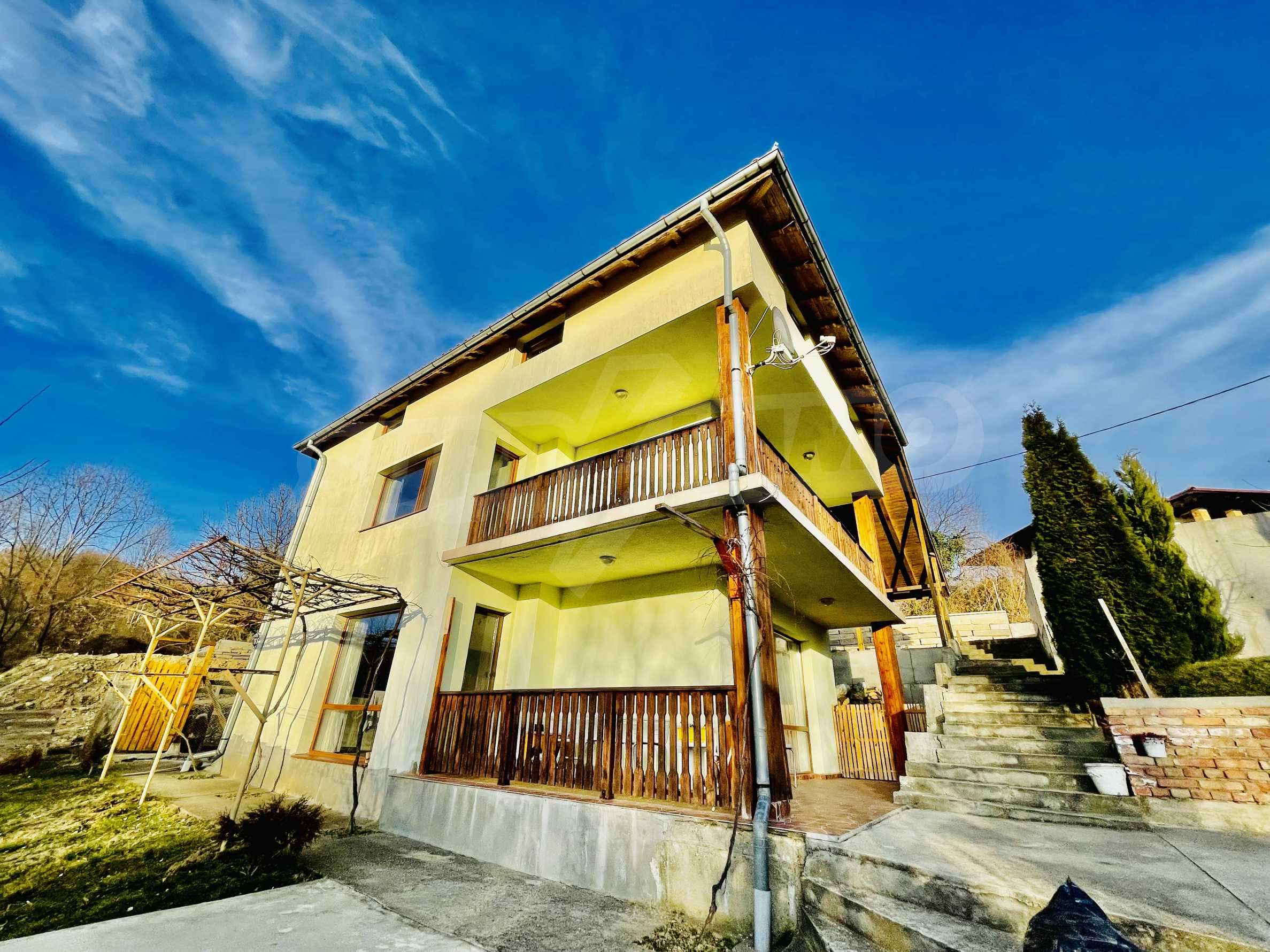 Cozy new three-storey house located 2 km from Tryavna
