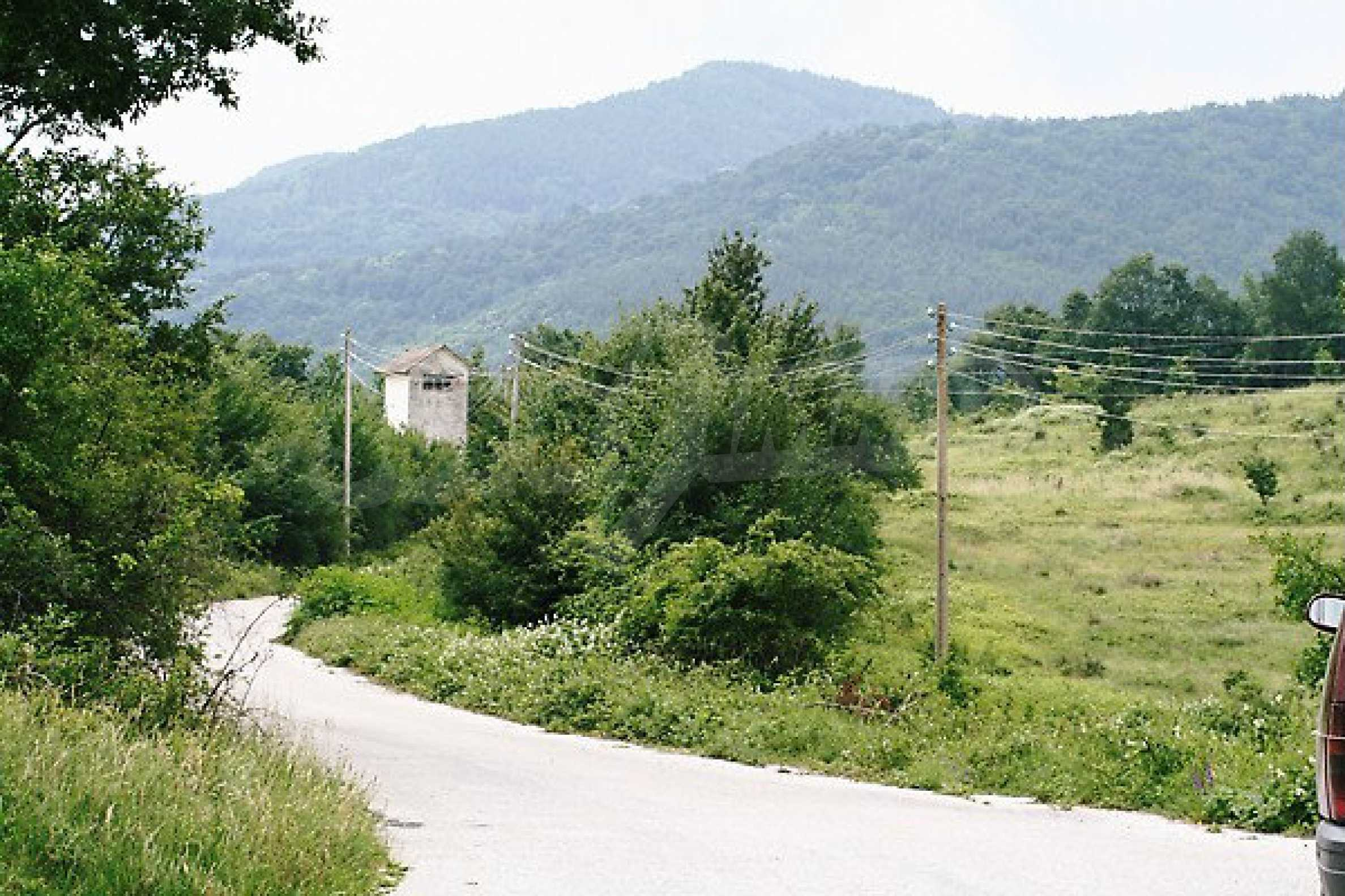 Large plot of land located near town Gabrovo 28