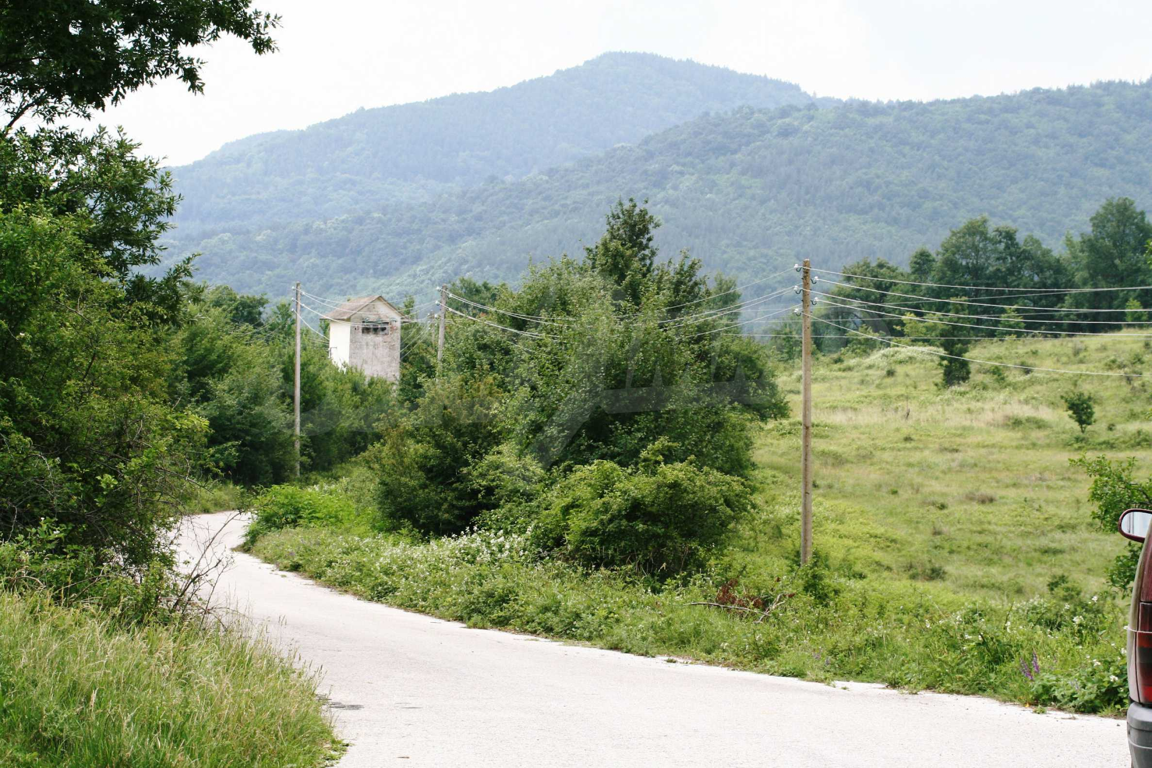 Spacious plot of agricultural land with potential near Gabrovo 28