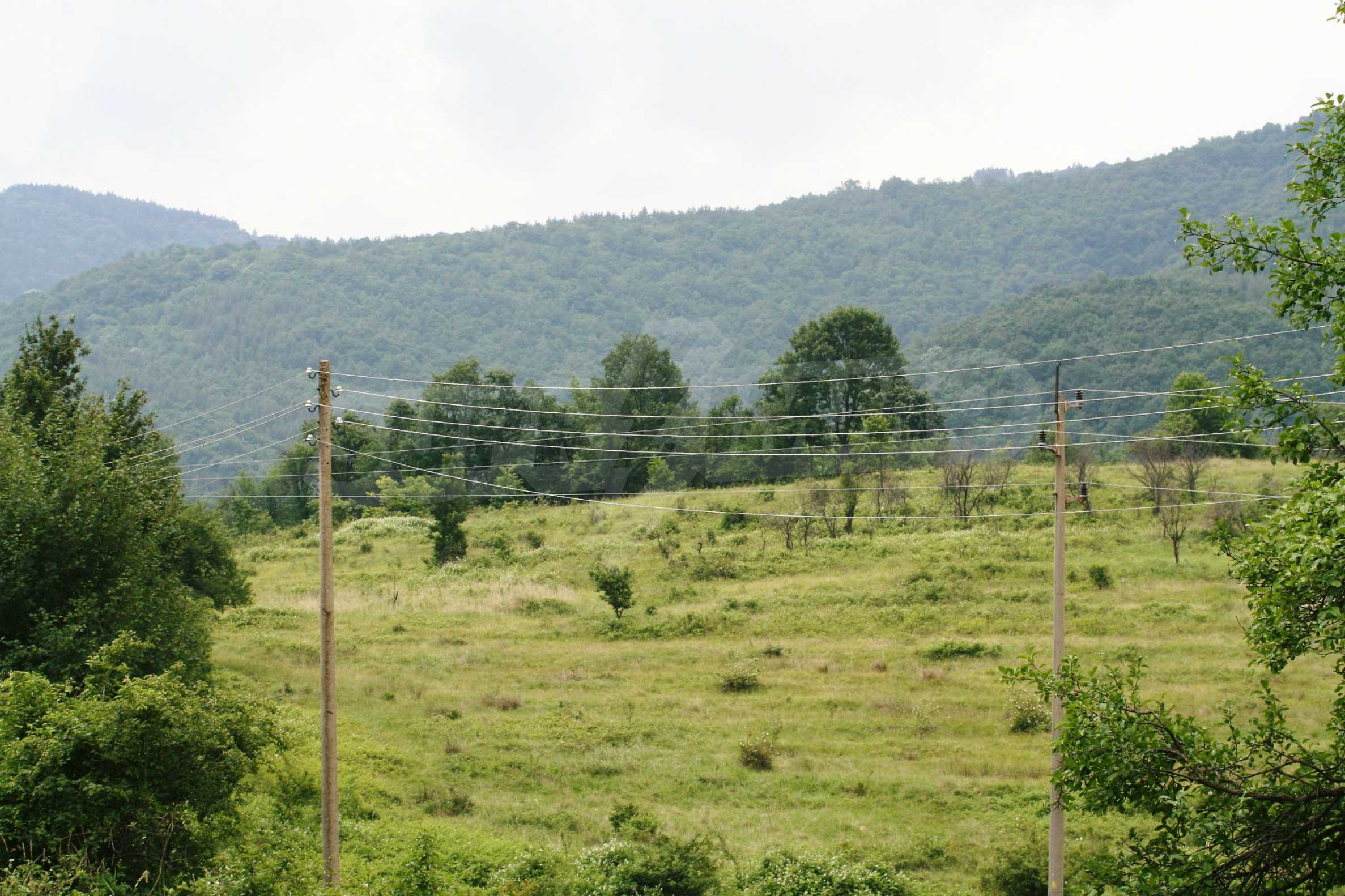Spacious plot of agricultural land with potential near Gabrovo 30