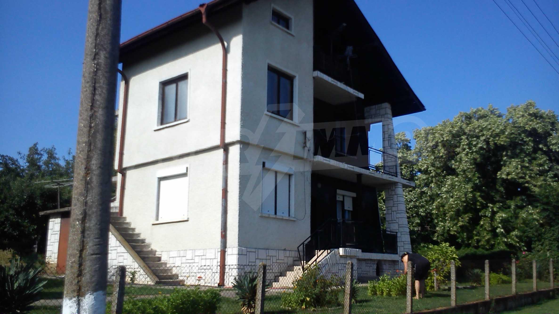 3-storey villa with garden in picturesque village near Vidin