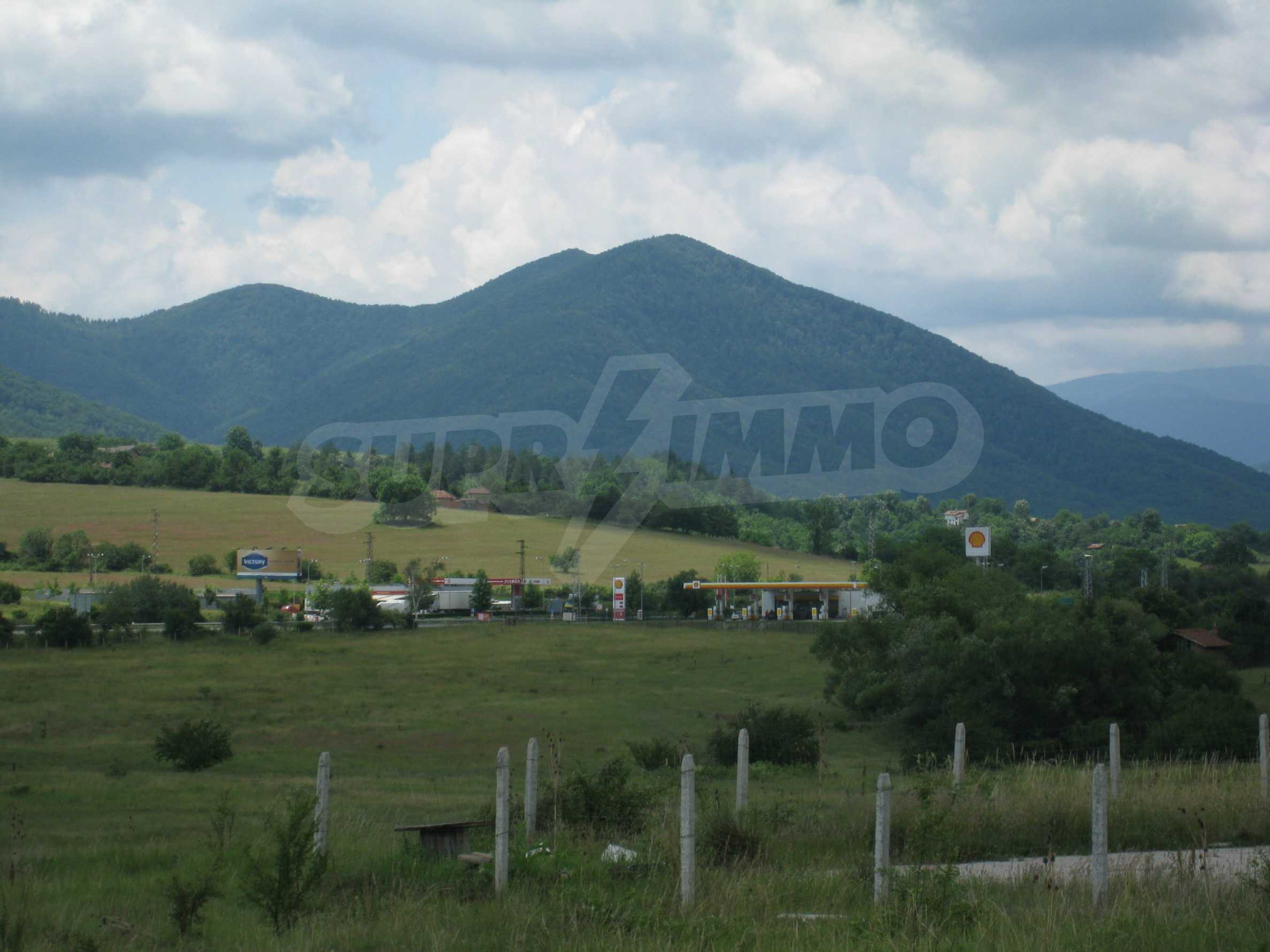 Investment land near the golf course in Pravets 17