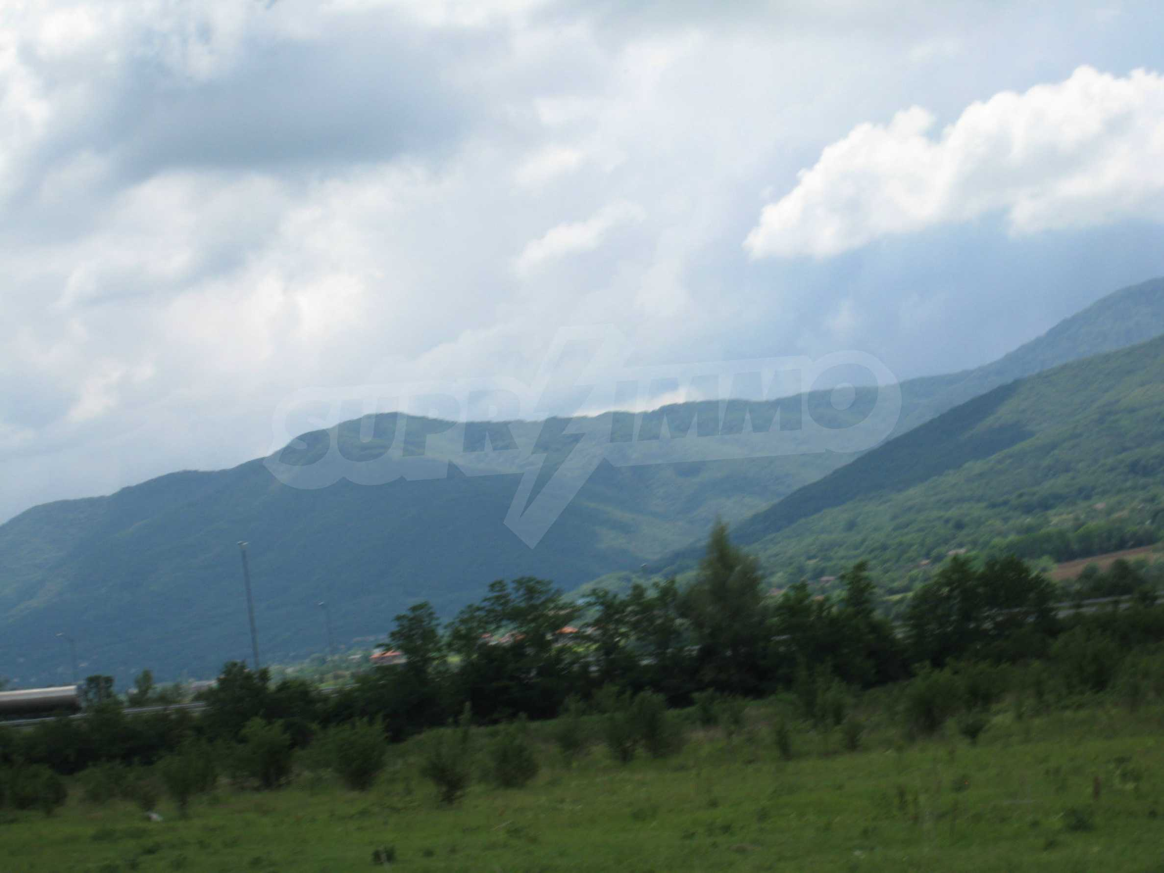 Investment land near the golf course in Pravets 21