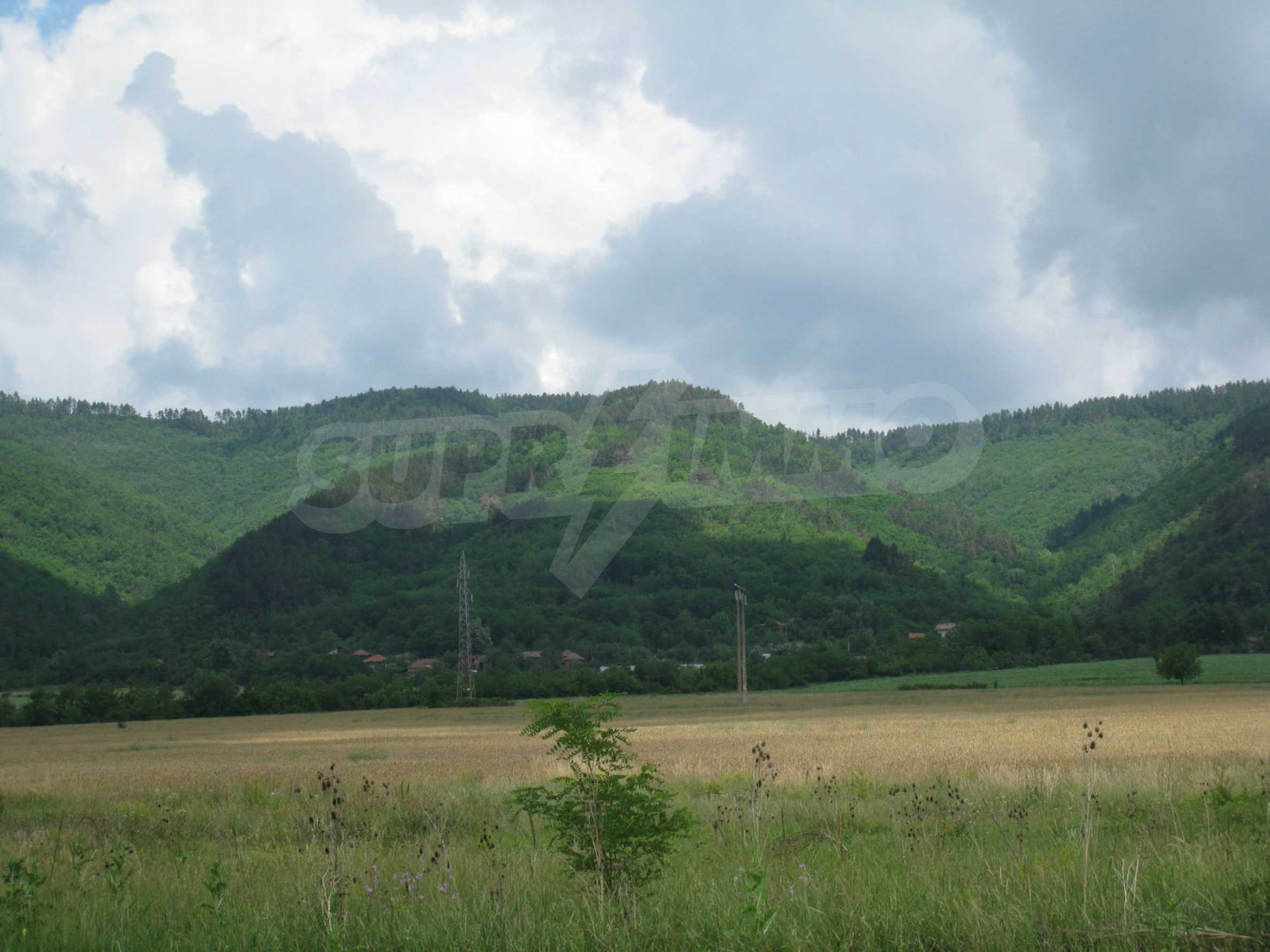 Investment land near the golf course in Pravets 23