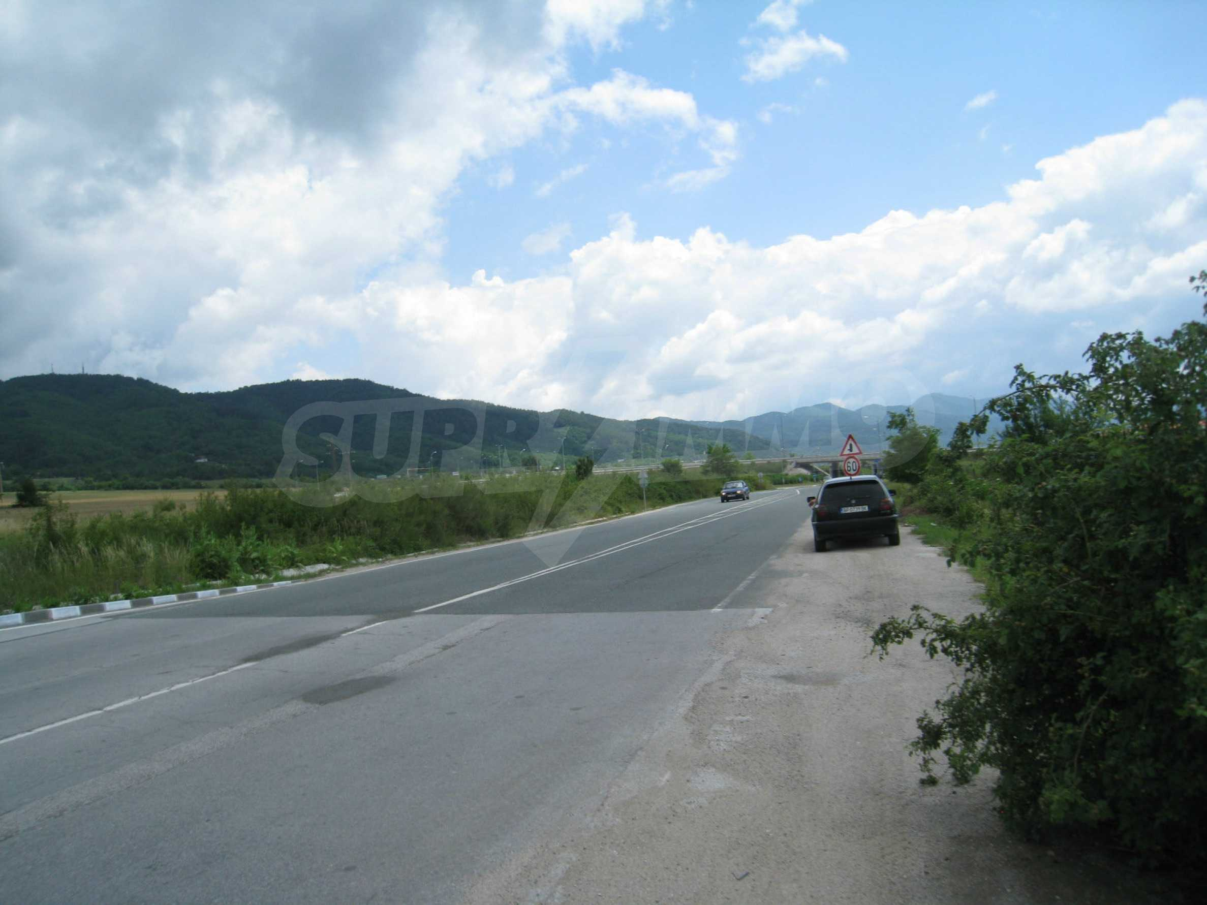 Investment land near the golf course in Pravets 3
