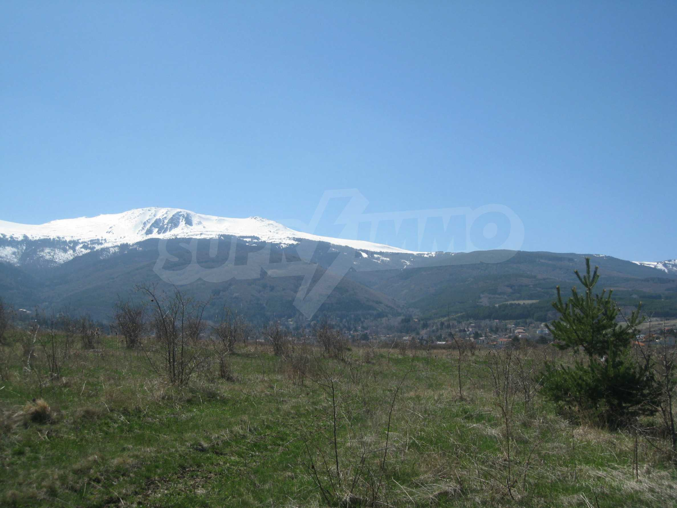 Regulated plot for construction of private house or villa near Sofia 15