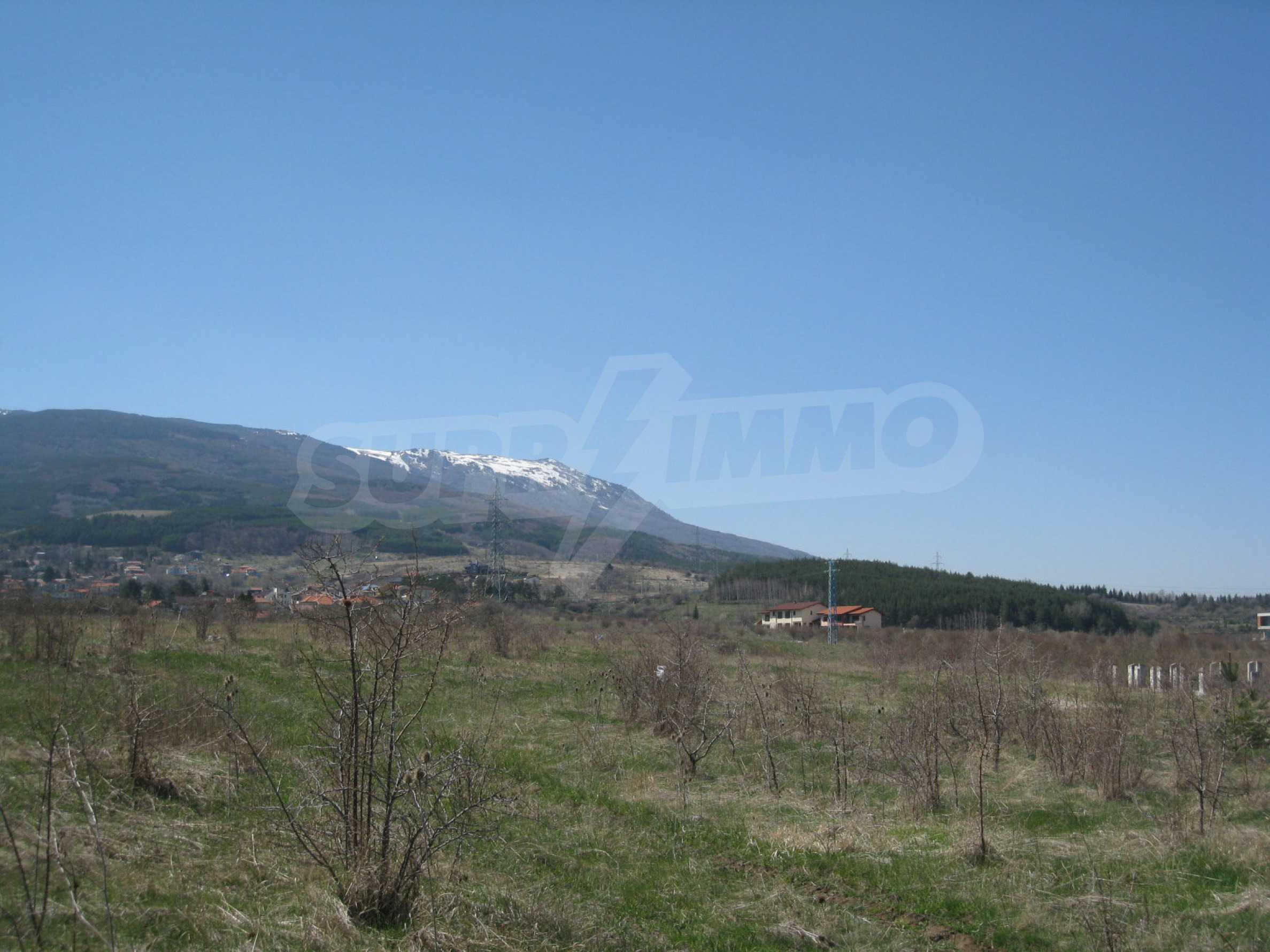 Regulated plot for construction of private house or villa near Sofia 19