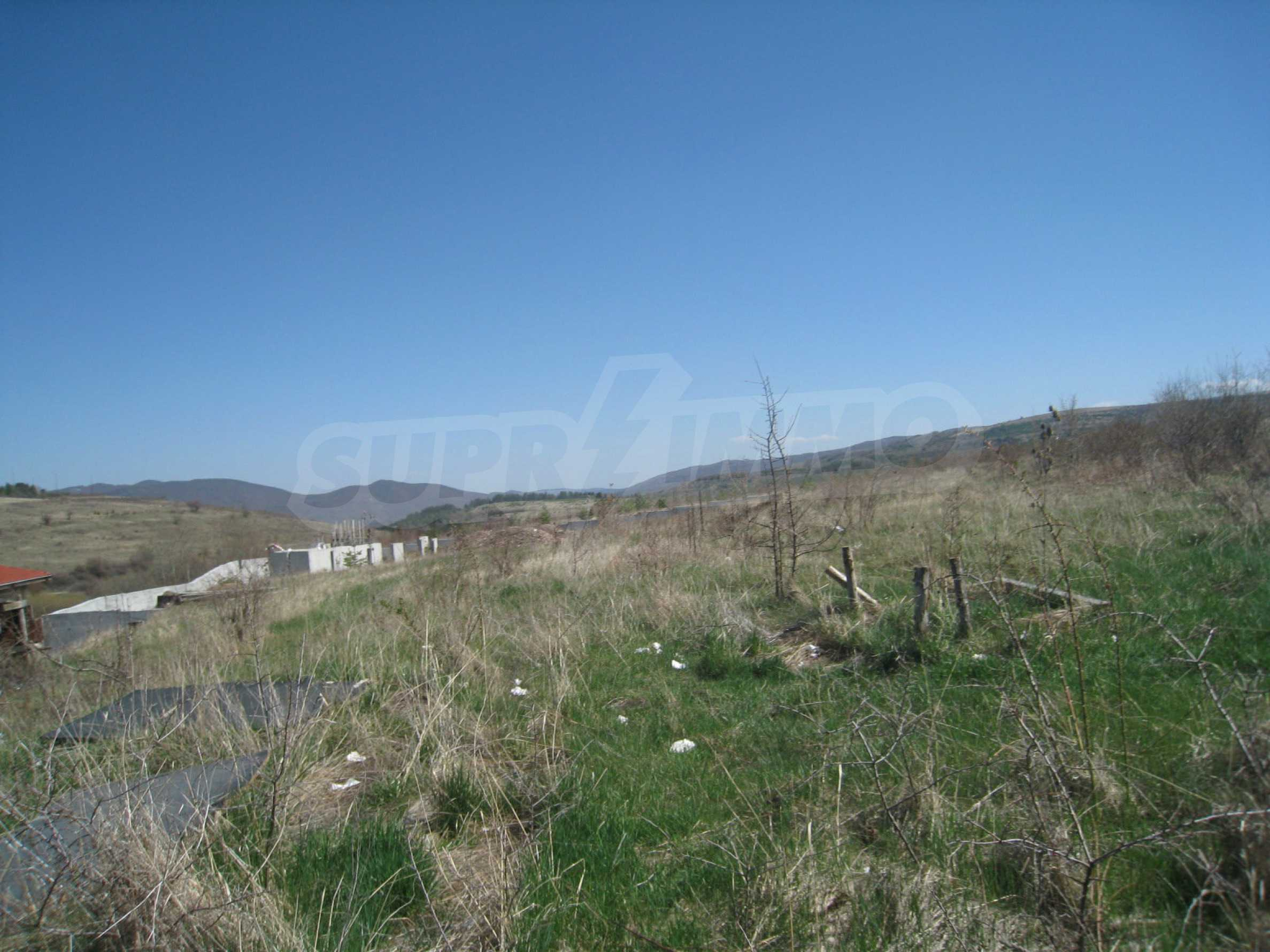 Regulated plot for construction of private house or villa near Sofia 5