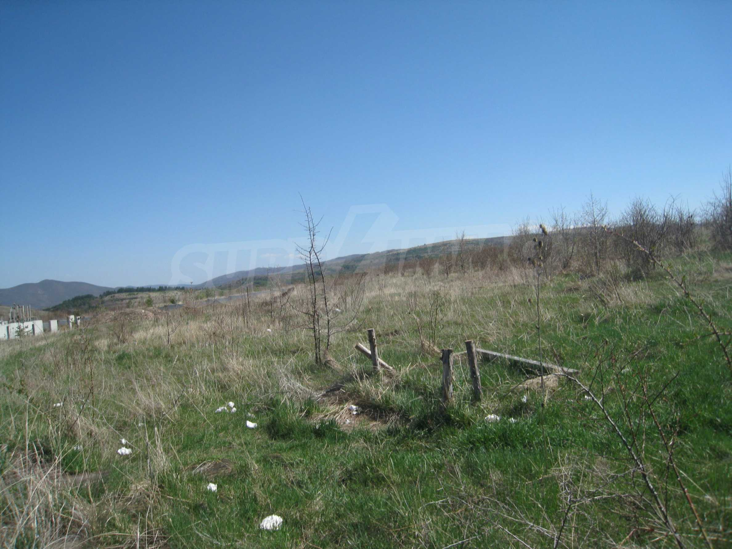 Regulated plot for construction of private house or villa near Sofia 6