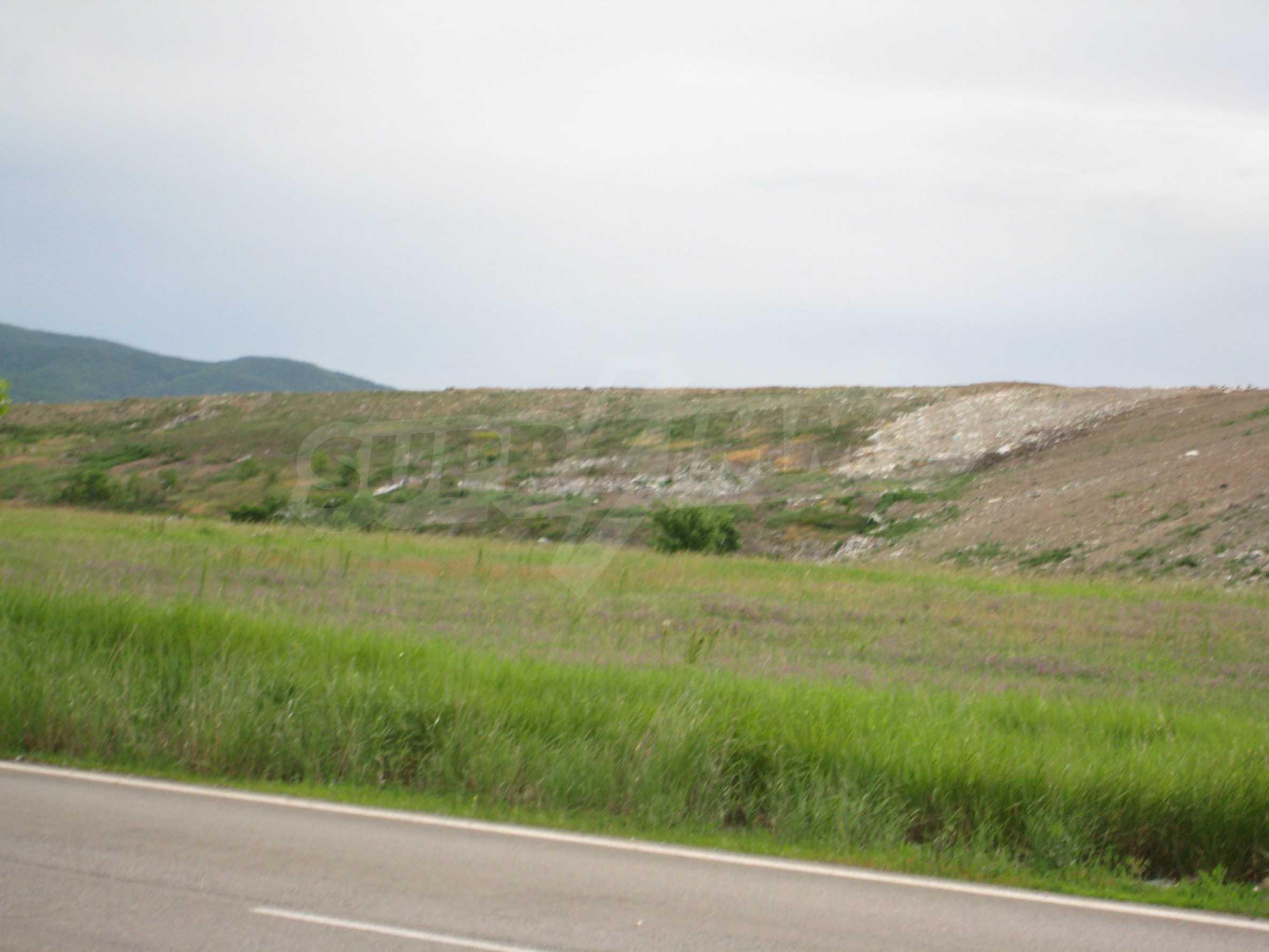 Agricultural land at asphalt road in Suhodol 13