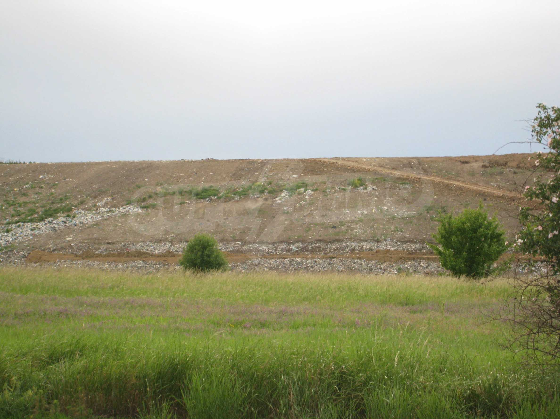 Agricultural land at asphalt road in Suhodol 14